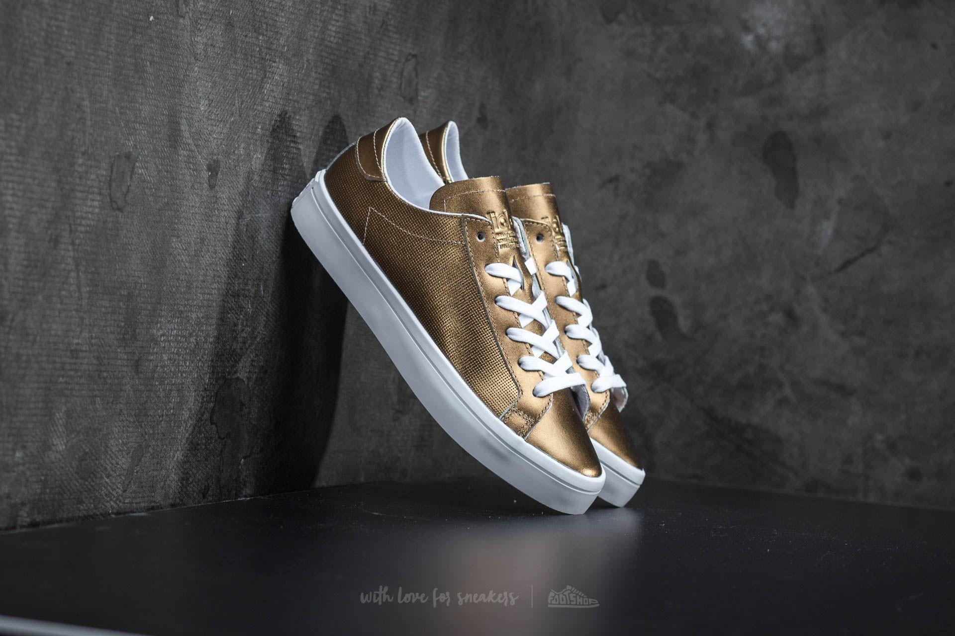separation shoes 90d13 7f389 adidas Court Vantage W. Copper Metallic Ftw White
