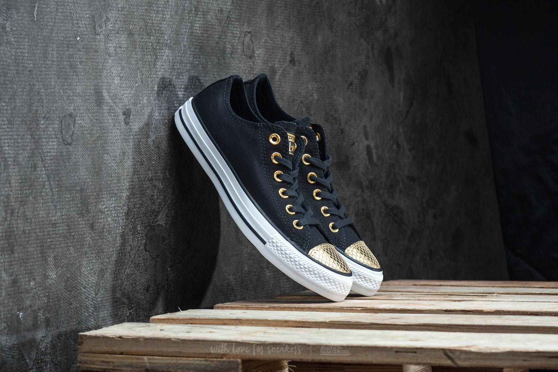 444e2b09a166 Converse Chuck Taylor All Star OX Black  Gold  White