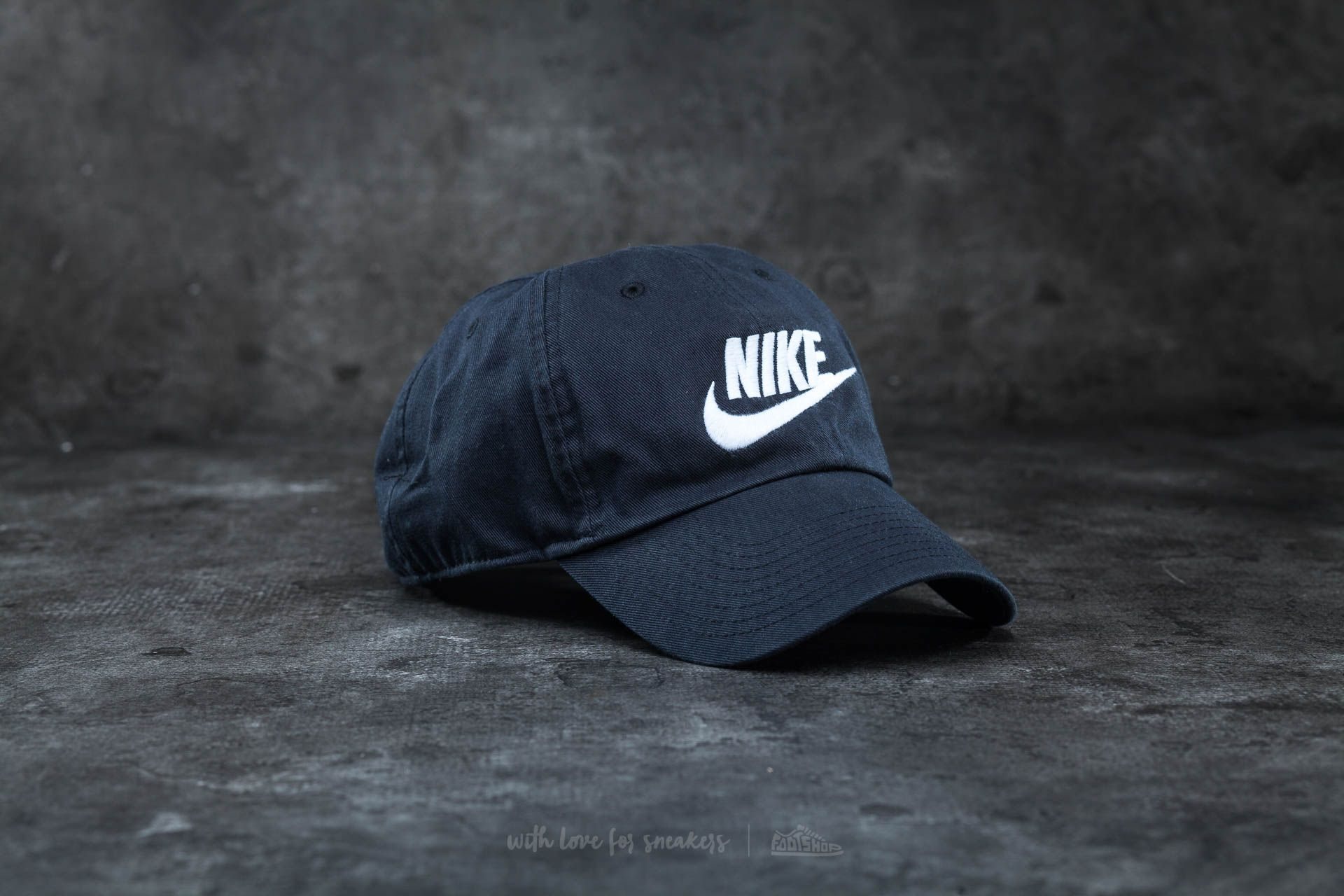 e7897ddf Nike Futura Washed H86 Cap Black/ White | Footshop