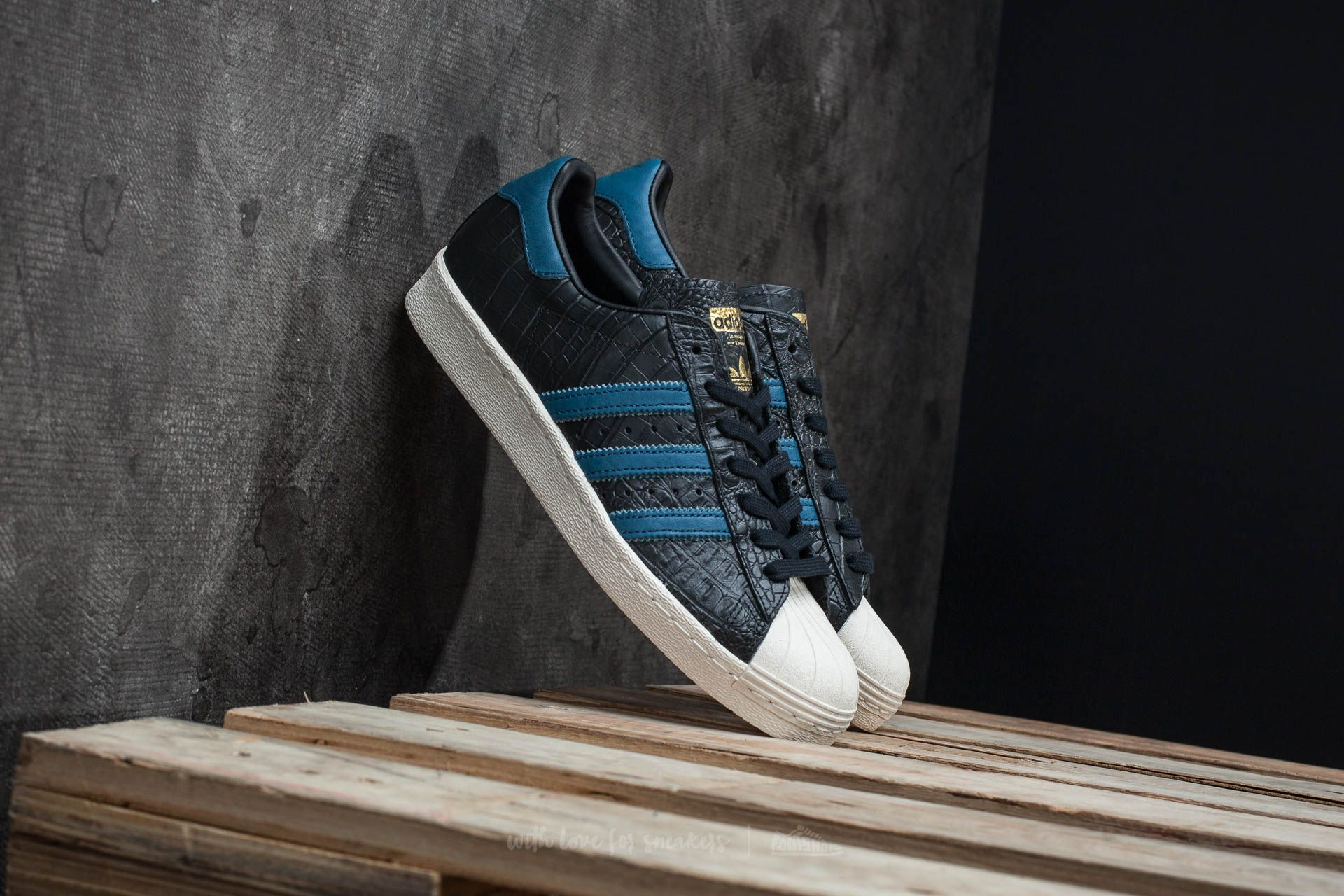 designer fashion 4b283 5e624 adidas Superstar 80s. Core Black  Blue  Gold Metallic