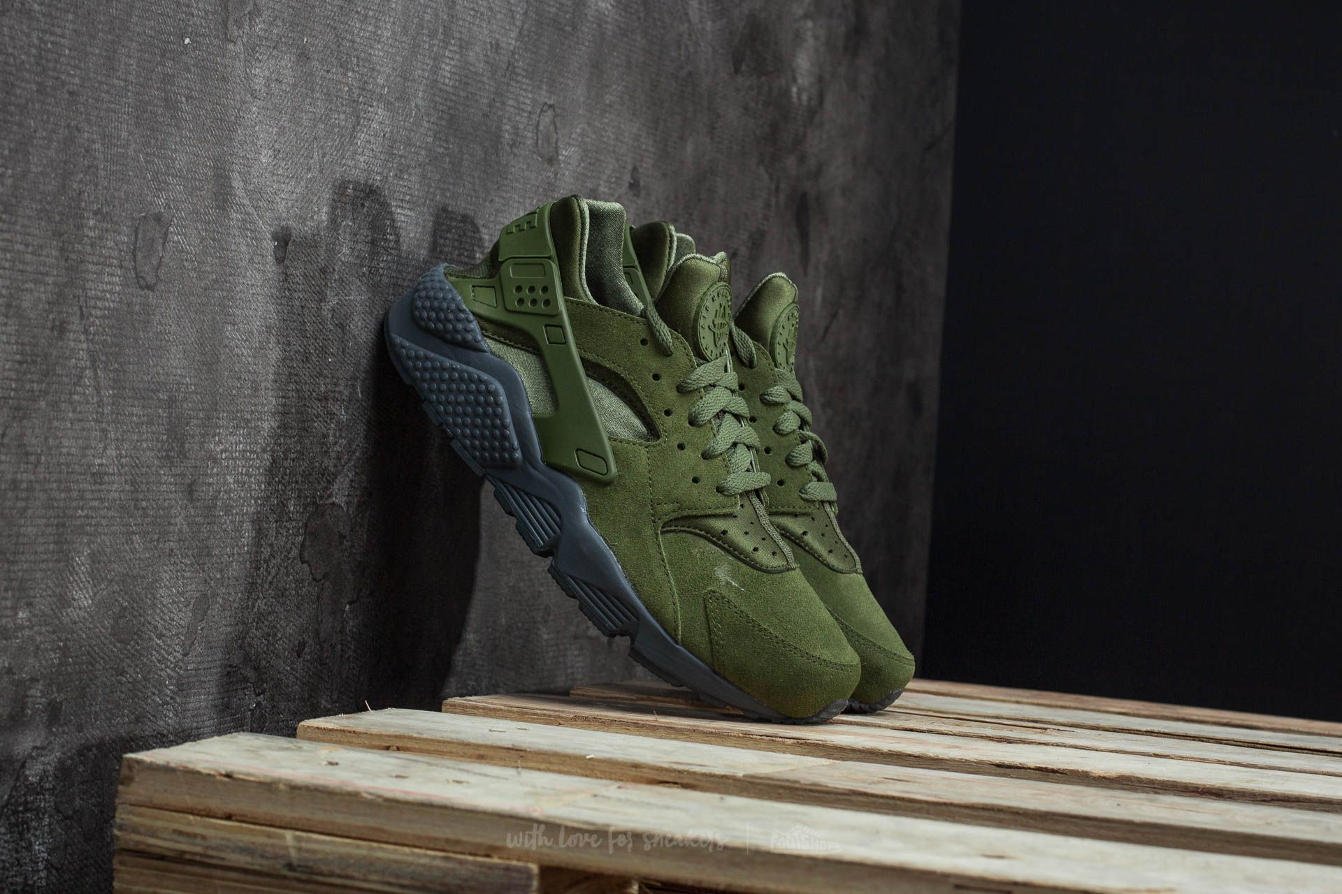 14b17c7c7986c Nike Air Huarache Run SE Legion Green/ Legion Green | Footshop