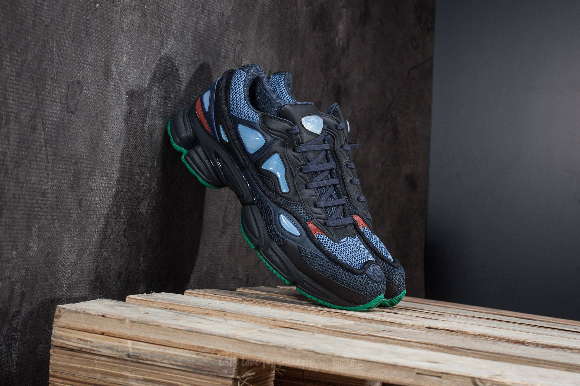 factory price 5674b 099da adidas x Raf Simons Ozweego 2