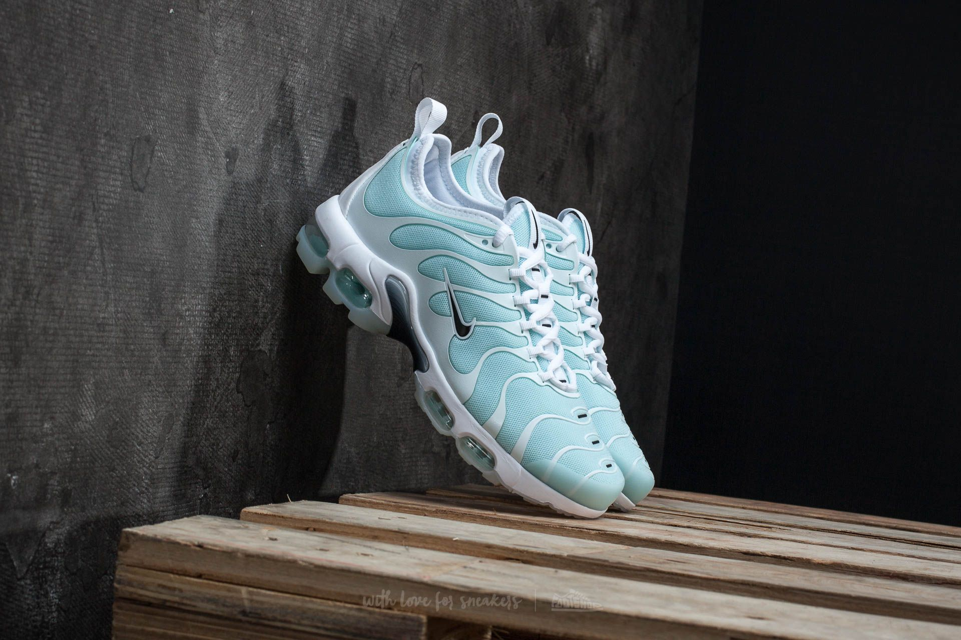 Nike Wmns Air Max Plus TN Ultra Glacier Blue Black White | Footshop