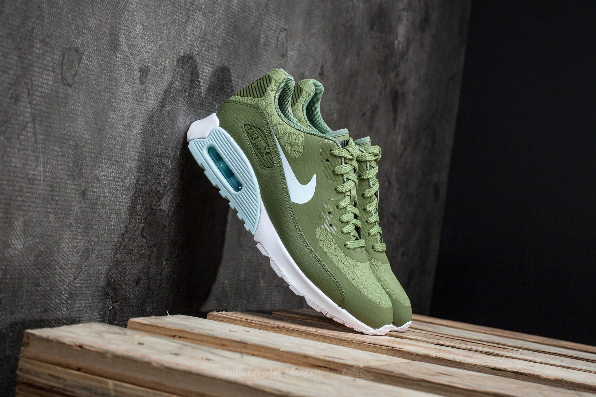 a6070236db Nike W Air Max 90 Ultra 2.0 Palm Green/ Glacier Blue-White | Footshop