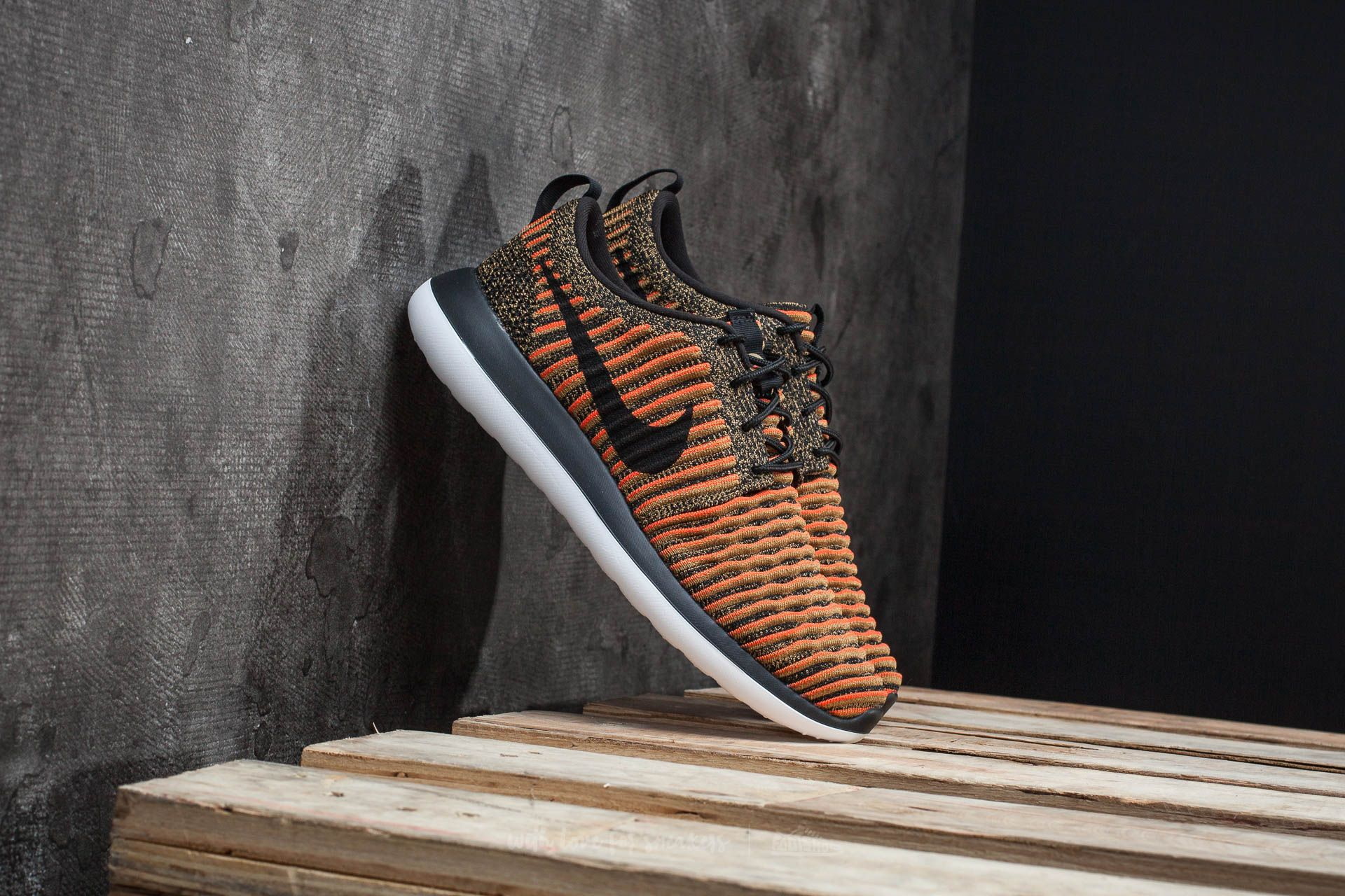 new style 54061 65ffc Nike Roshe Two Flyknit