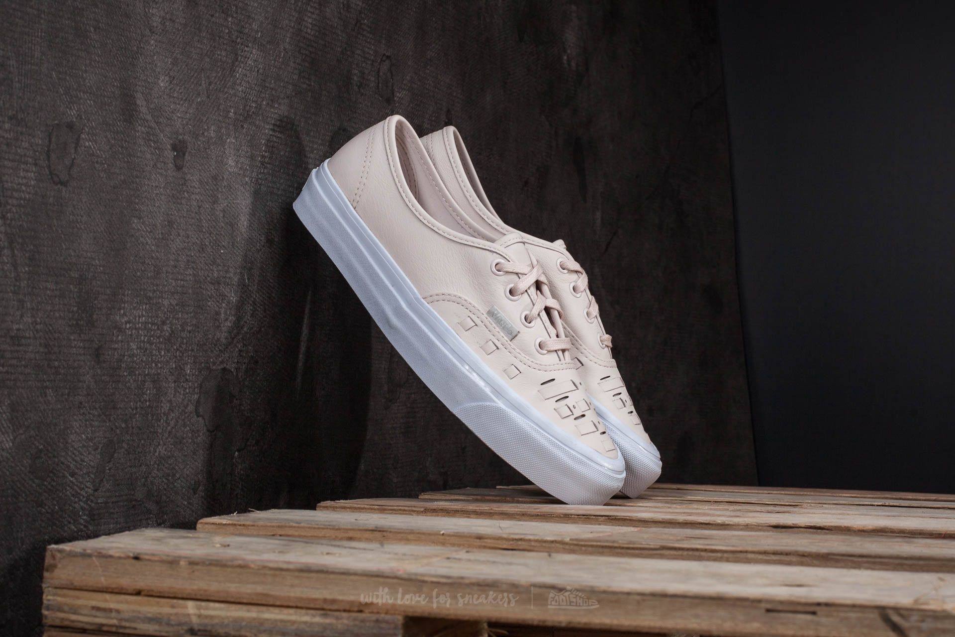 41fe9c1d88 Vans Authentic Weave (Leather) Delicacy