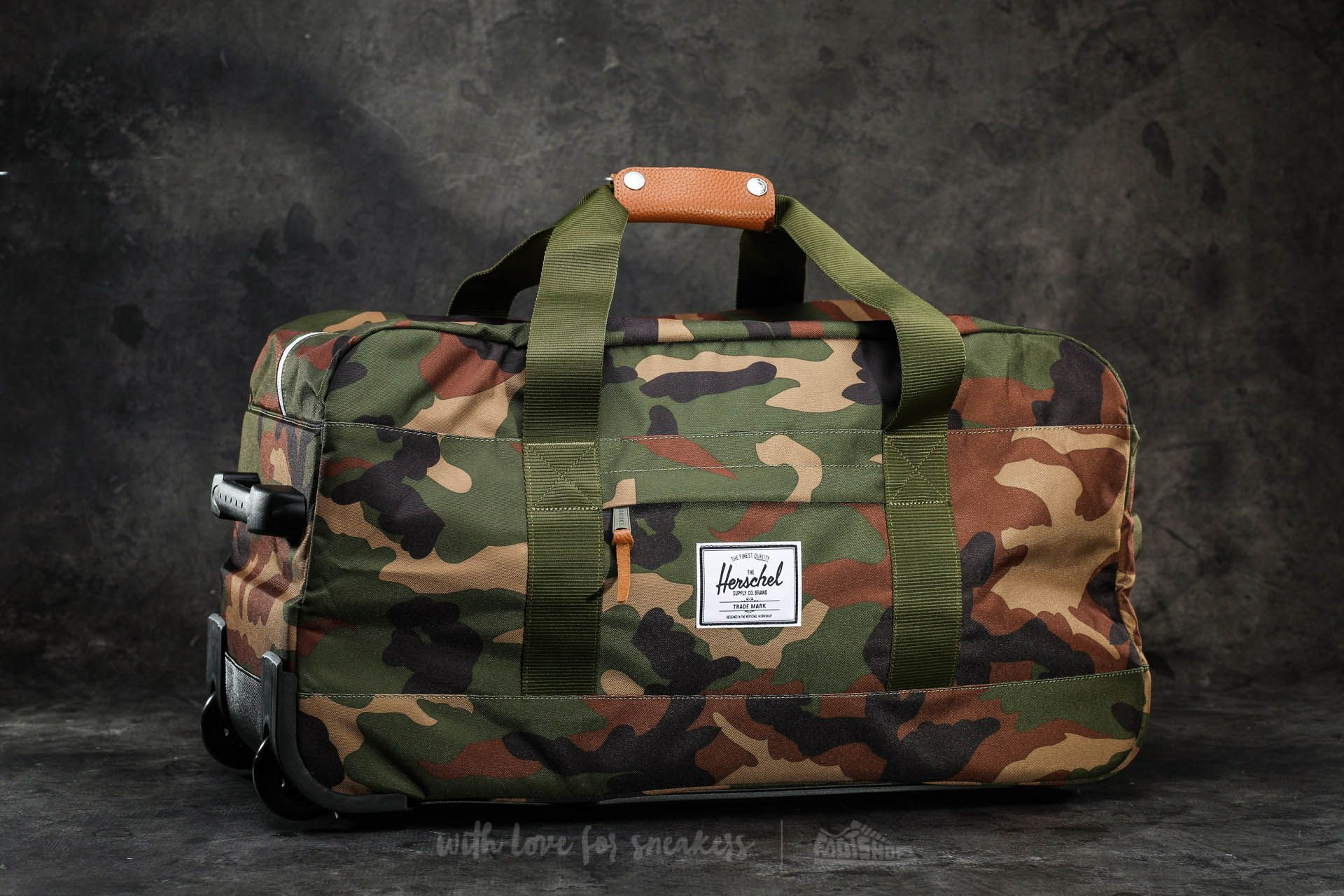 9ba810c97 Herschel Supply Co. Wheelie Outfitter Travel Bag Woodland Camo ...