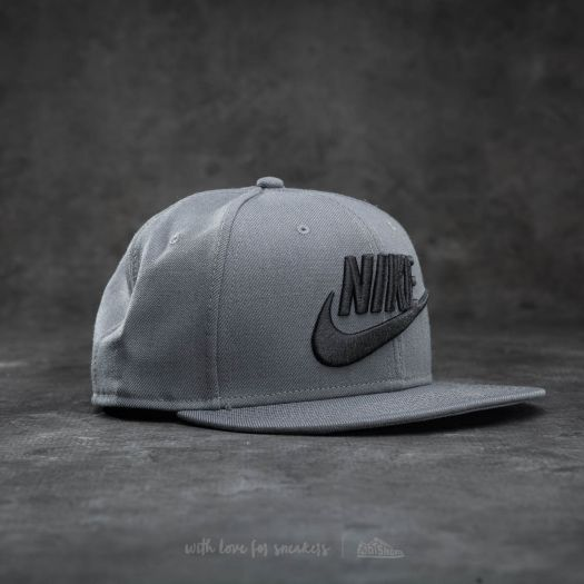 75d5b5c9d09 Nike Futura True 2 Snapback Dark Grey  Black