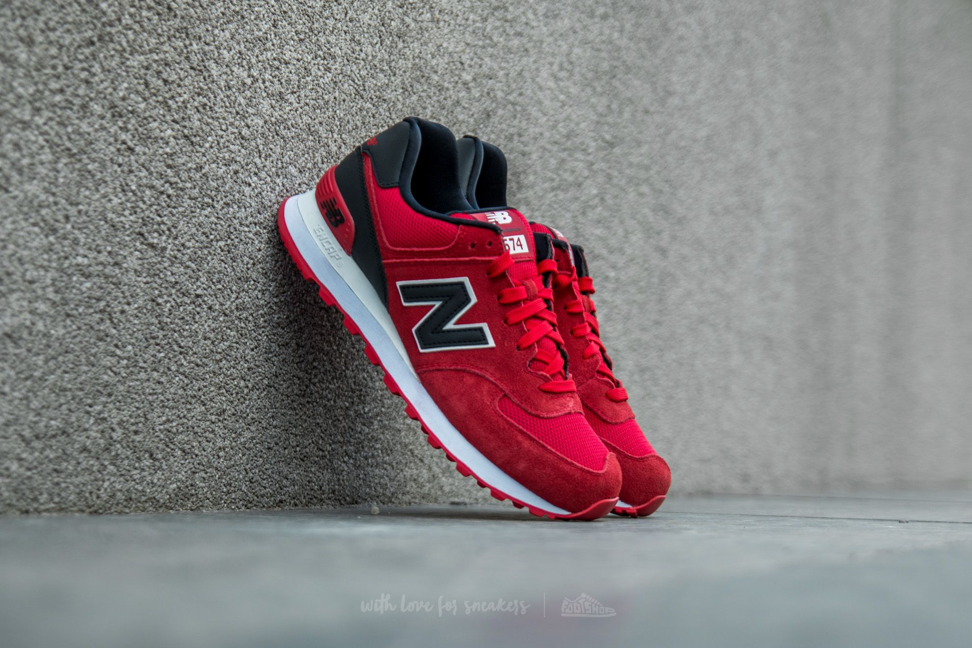 New Balance 574 Red  95eaac91c02