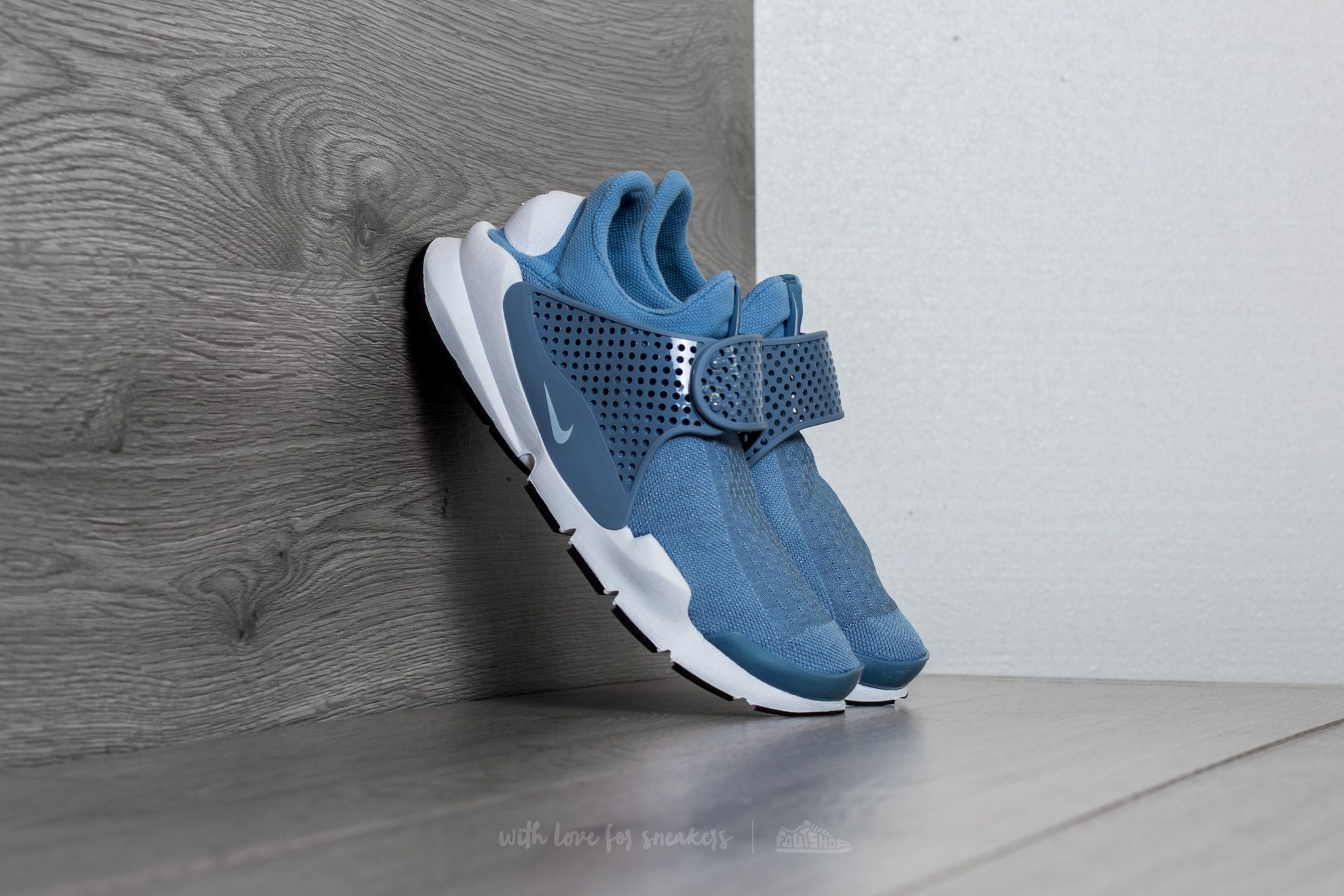 7bf43008aff5 Nike Sock Dart KJCRD Work Blue  White-White-Black