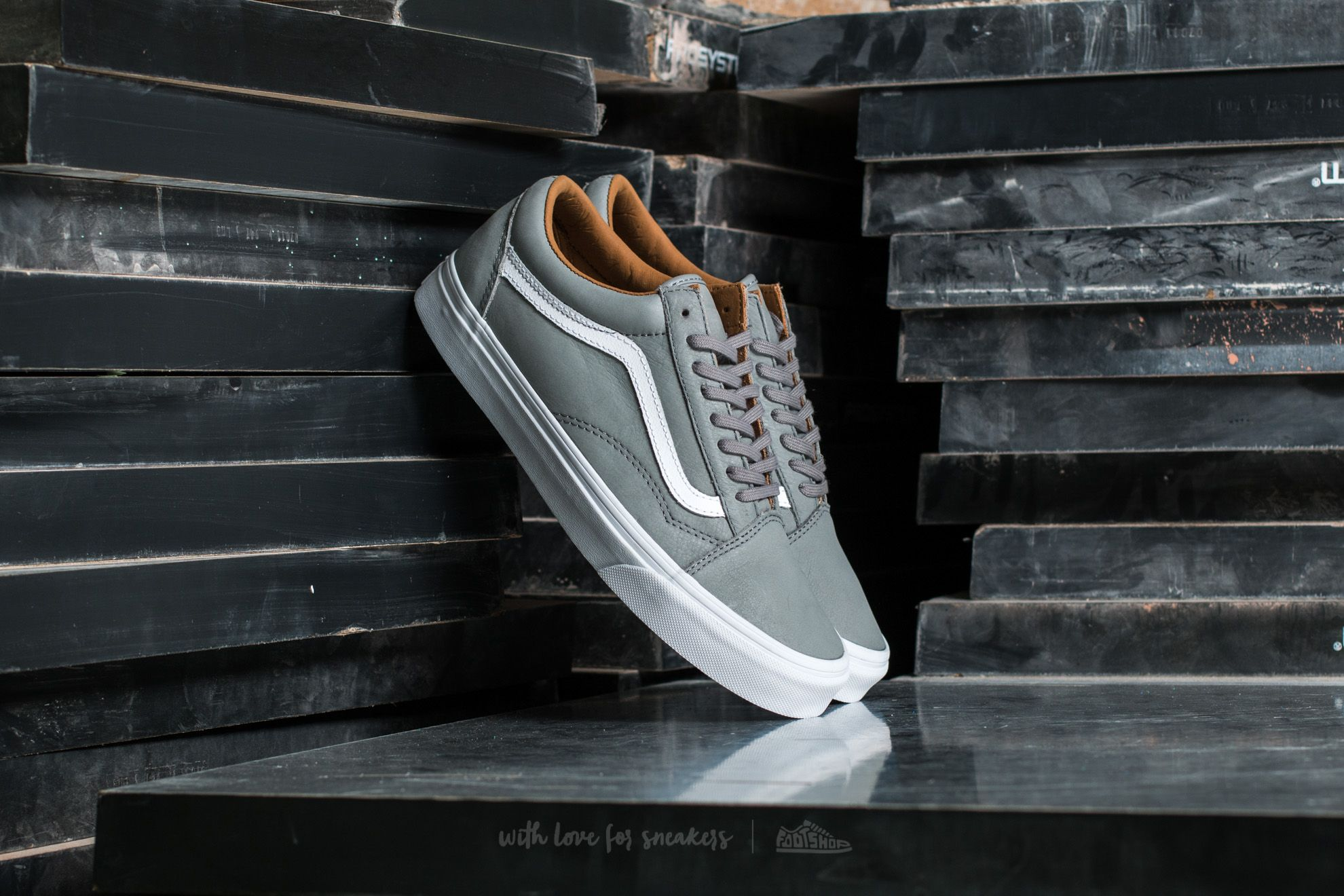 7a738344b41320 Vans Old Skool (Premium Leather) Wild Do