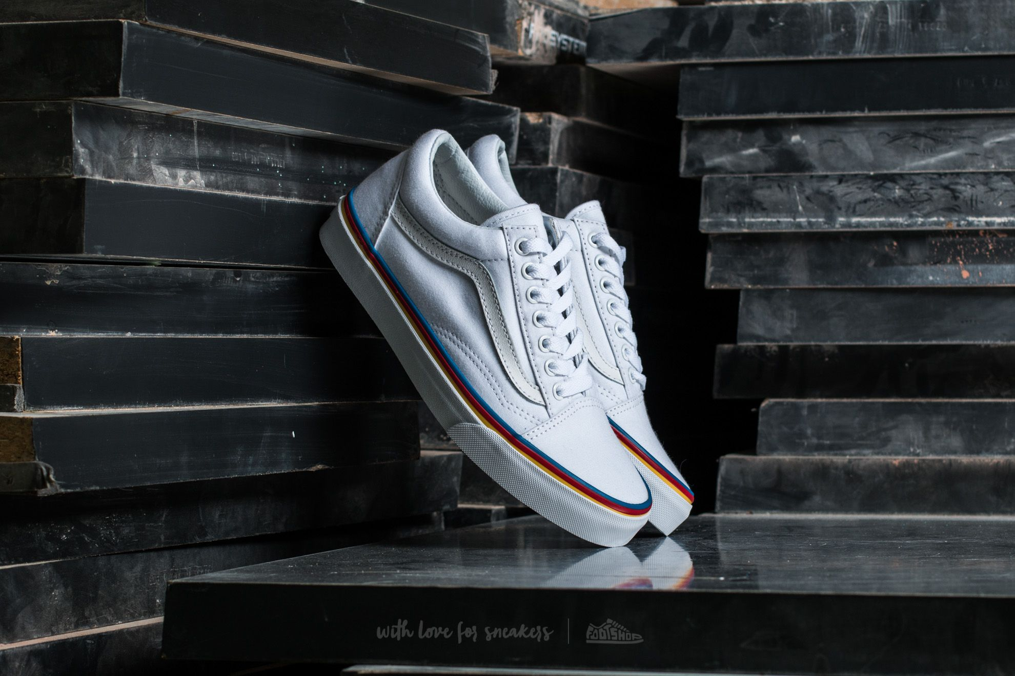 d63b9f5c21 Vans Old Skool Rainbow Foxing True White