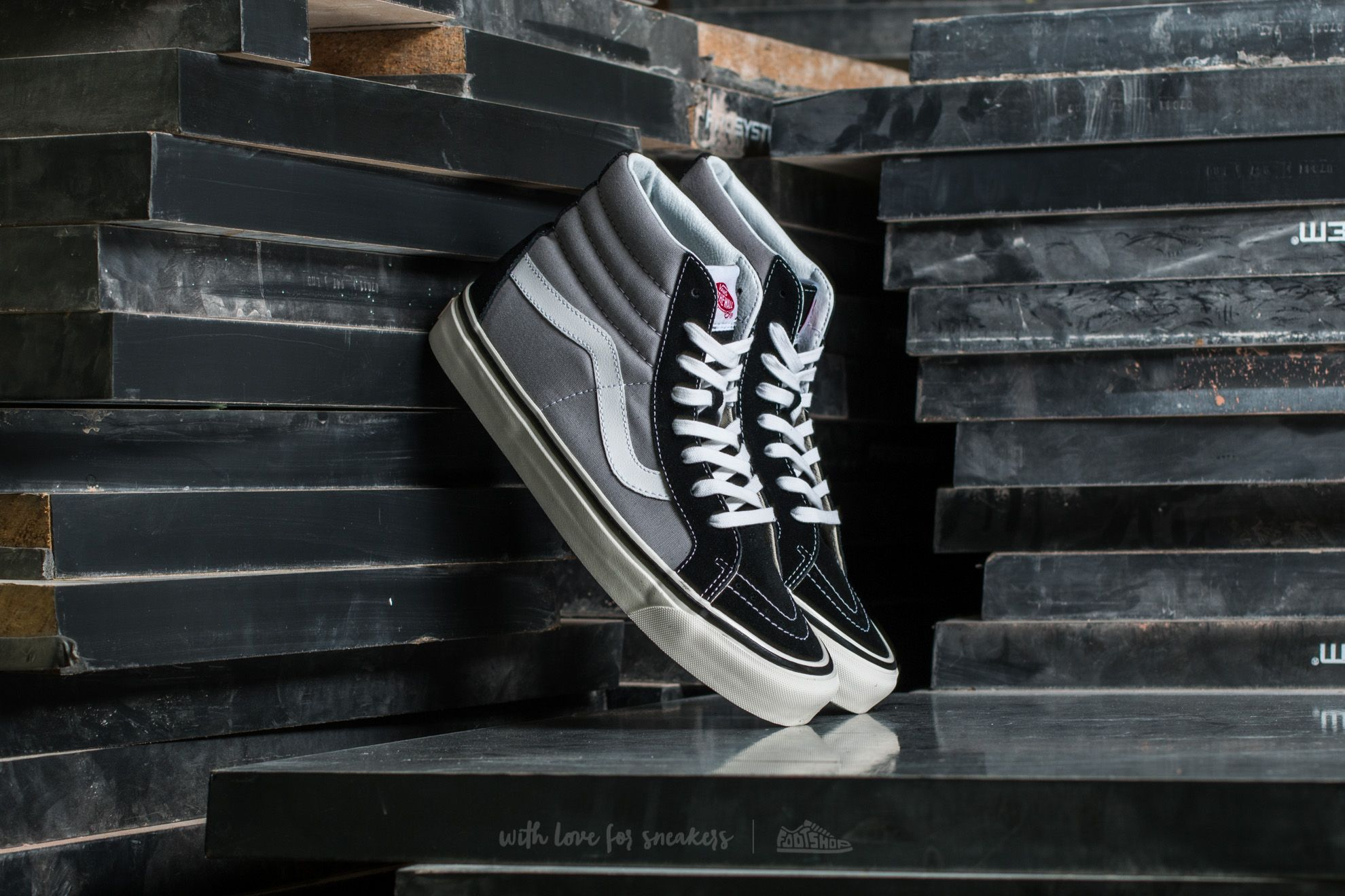 Vans Sk8 Hi 38 DX Anaheim Factory Black Light Grey | Footshop