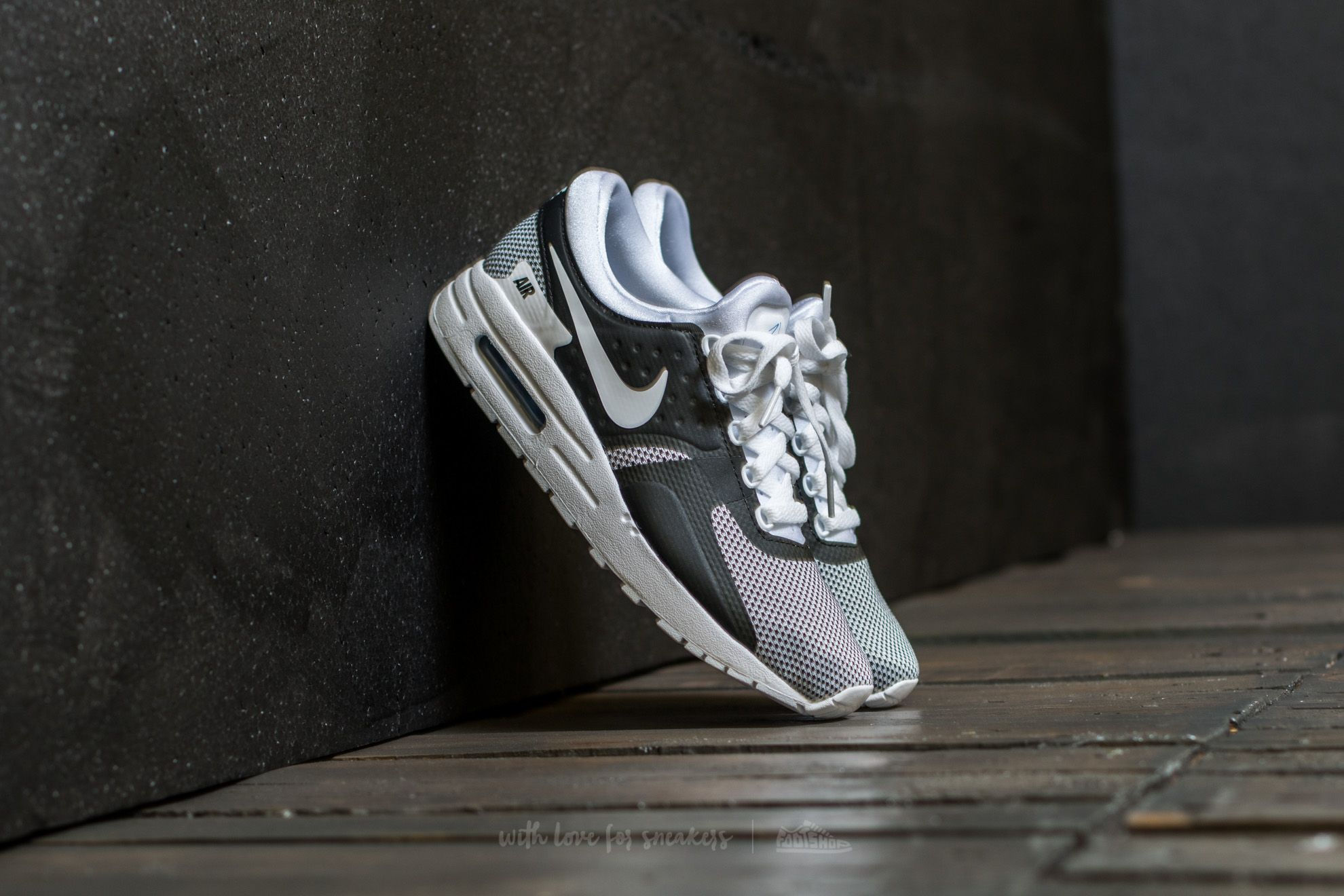 new arrival f75f1 04e48 Nike Air Max Zero Essential GS