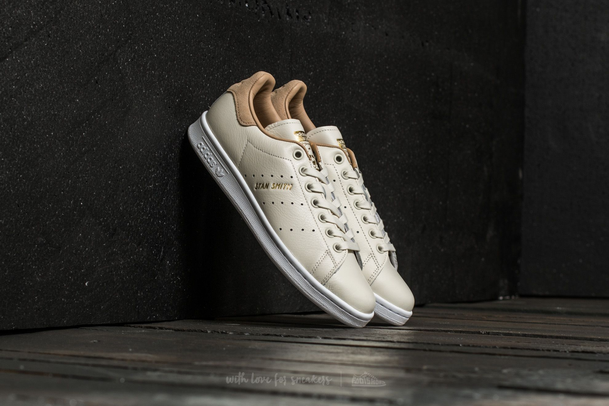 ed834375f798d adidas Stan Smith W Off White  Off White  St Pale Nude