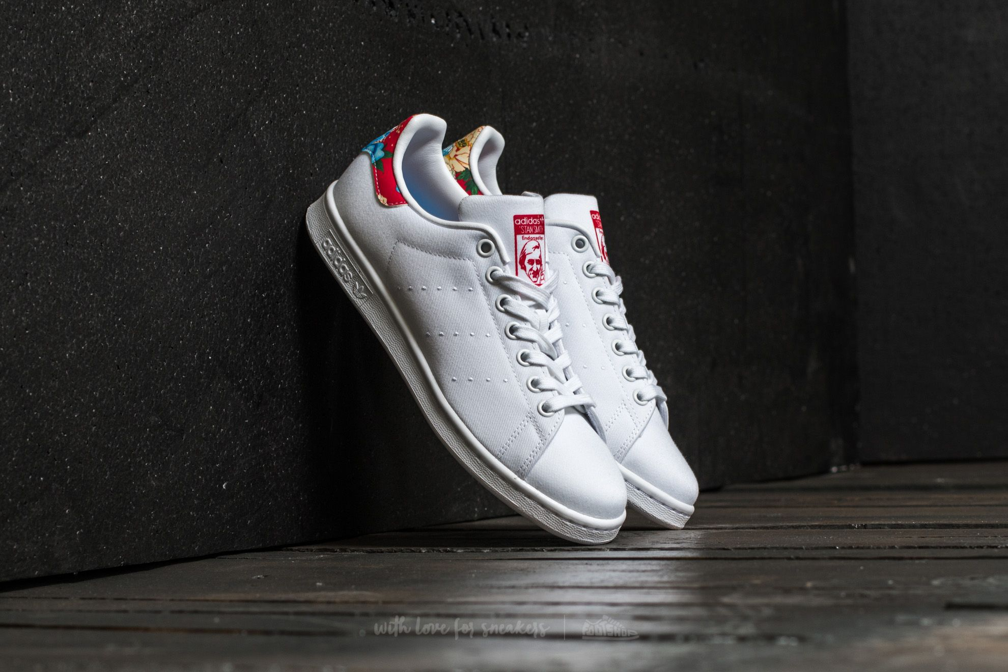 new product bf672 deee7 adidas Stan Smith W