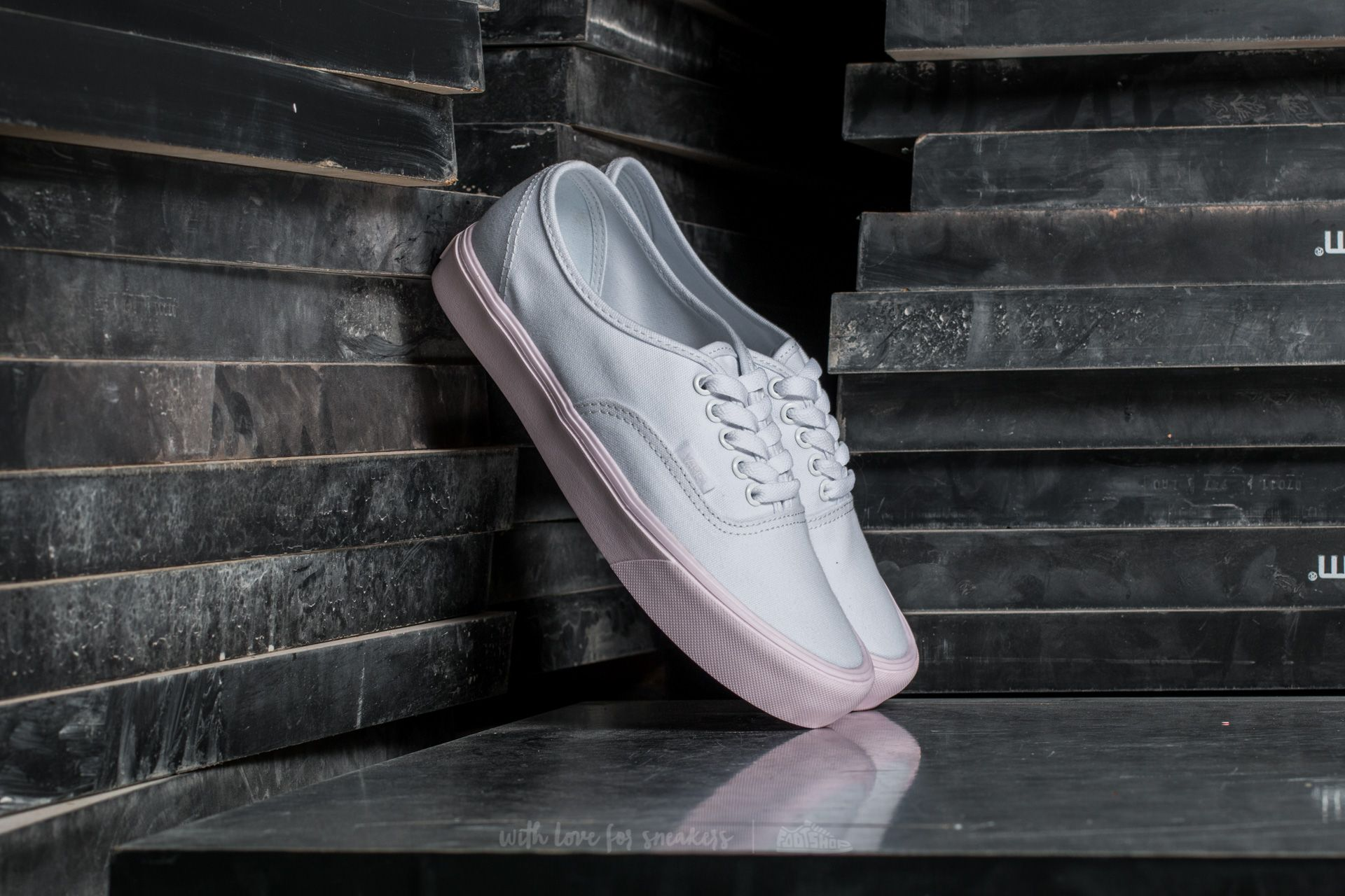 070368bec2 Vans Authentic Lite (Pop Pastel) True White