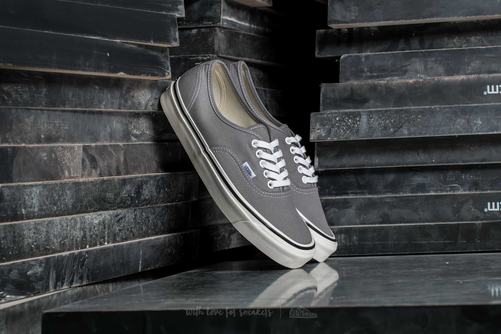 Vans Authentic 44 DX (Anaheim Factory) Light Grey  0a87af825651