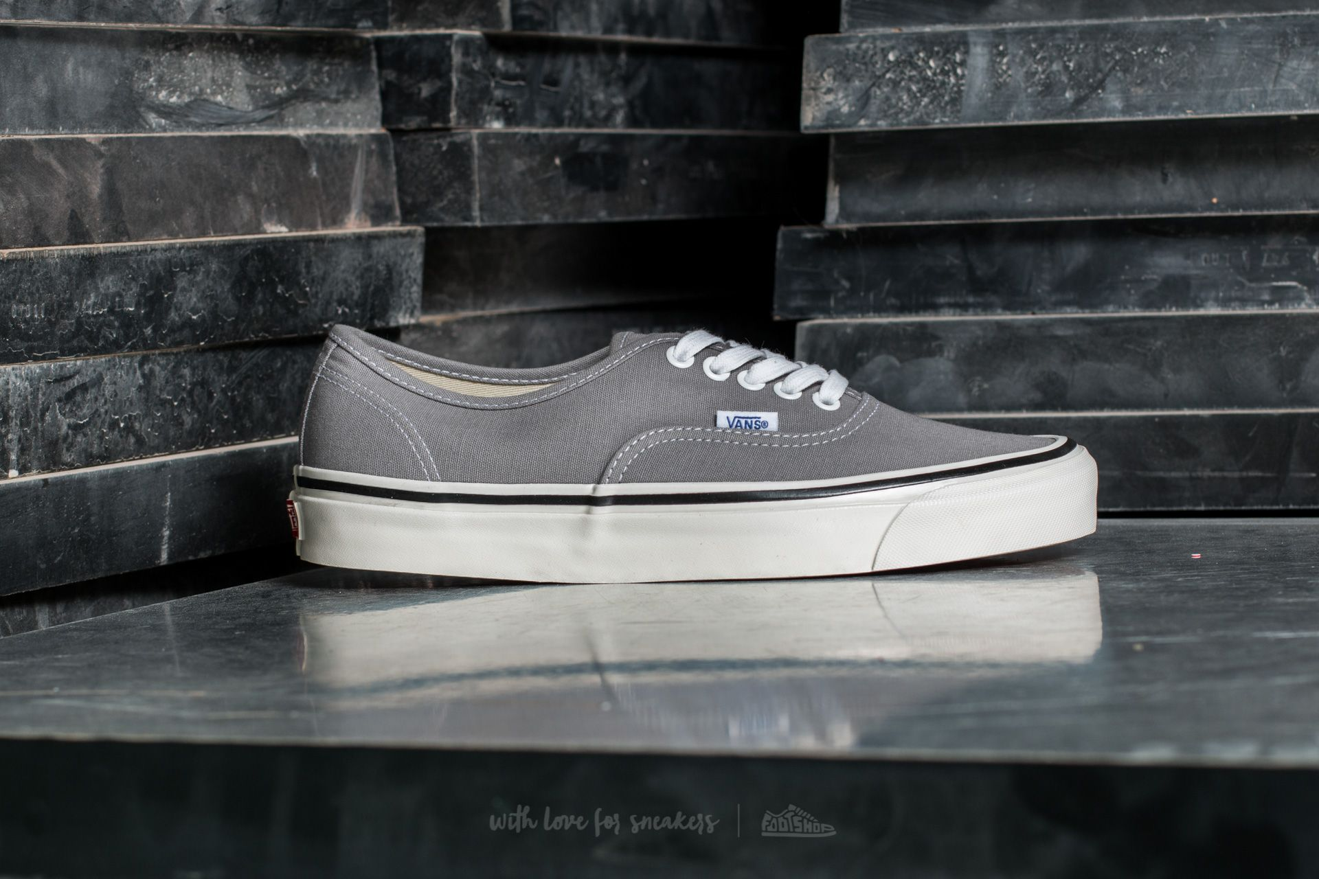 Vans Authentic 44 DX (Anaheim Factory) Light Grey | Footshop