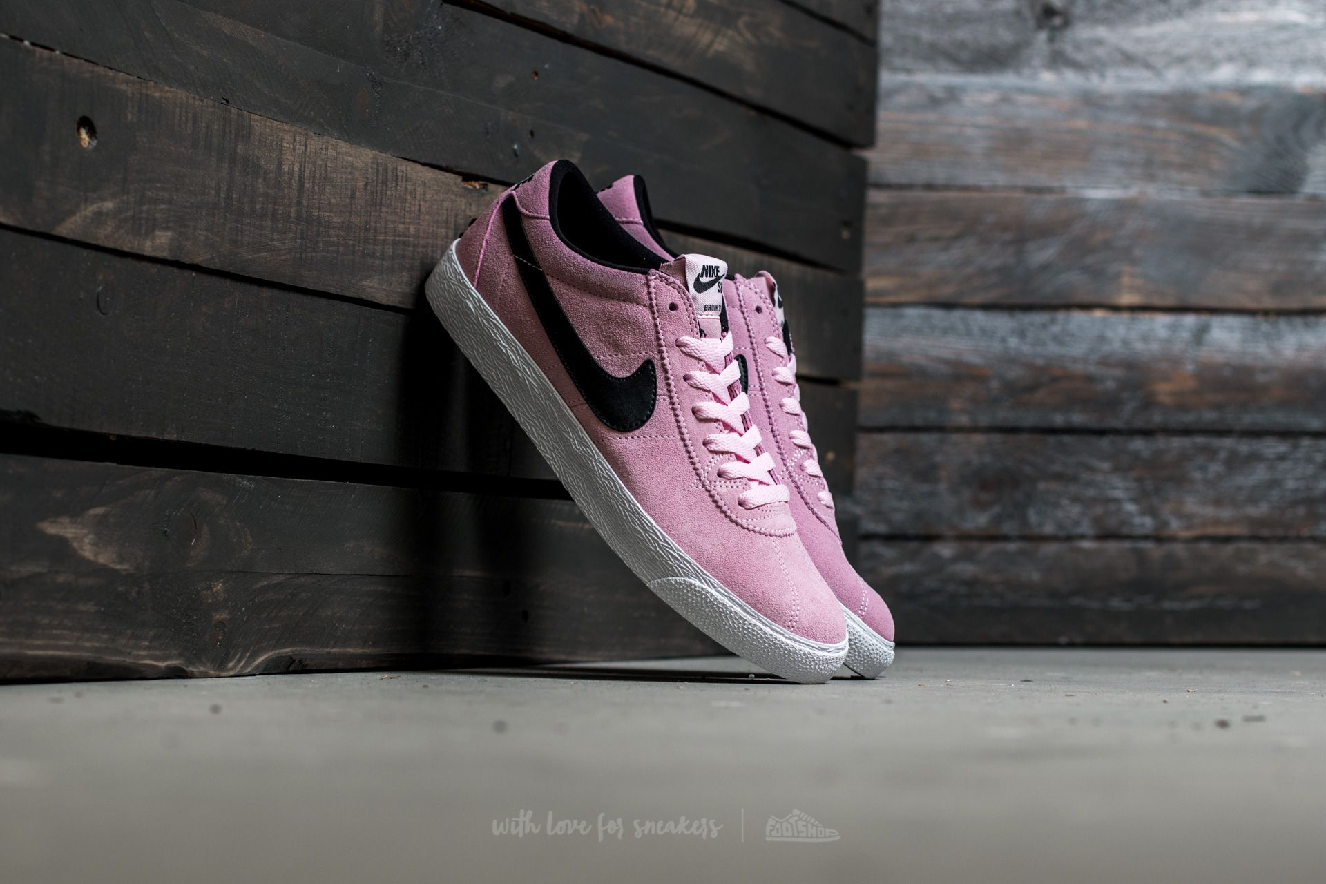 separation shoes 9fe60 c050f Nike SB Bruin Zoom Premium SE. Prism Pink  Black-White