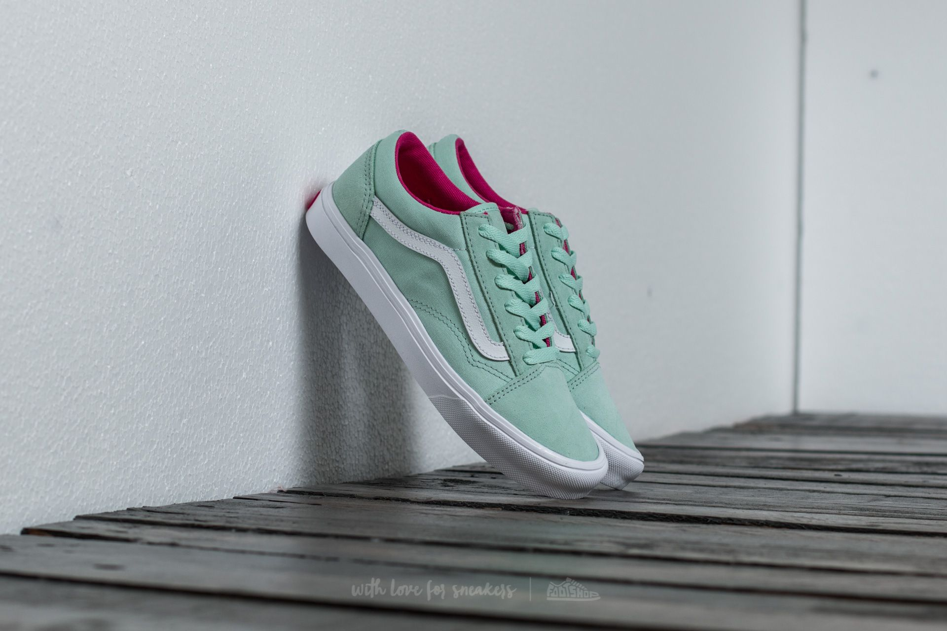 Vans Old Skool Lite (Pop) Bay  True White za skvělou cenu 1 290 3d0b6a6e9d