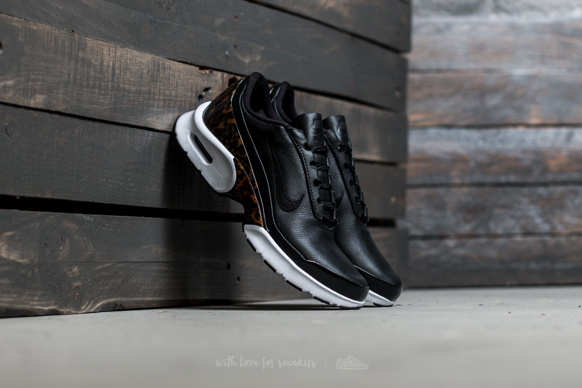 Nike W Air MAx Jewell LX Black  Black-White  0948fe76ac
