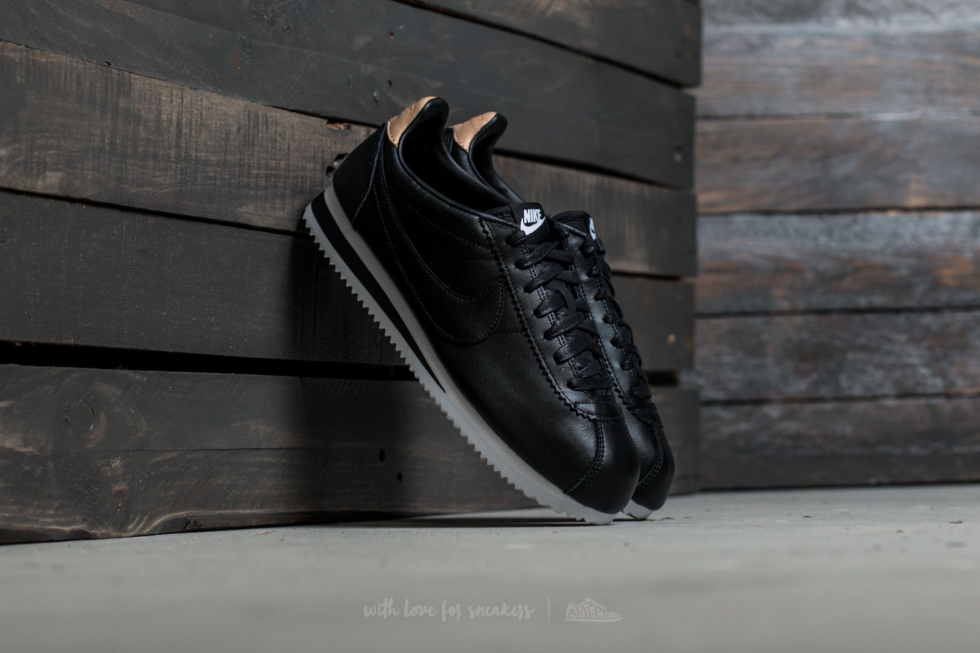 8f729993d82 Nike Classic Cortez Leather SE Black  Black-White-Vachetta Tan ...