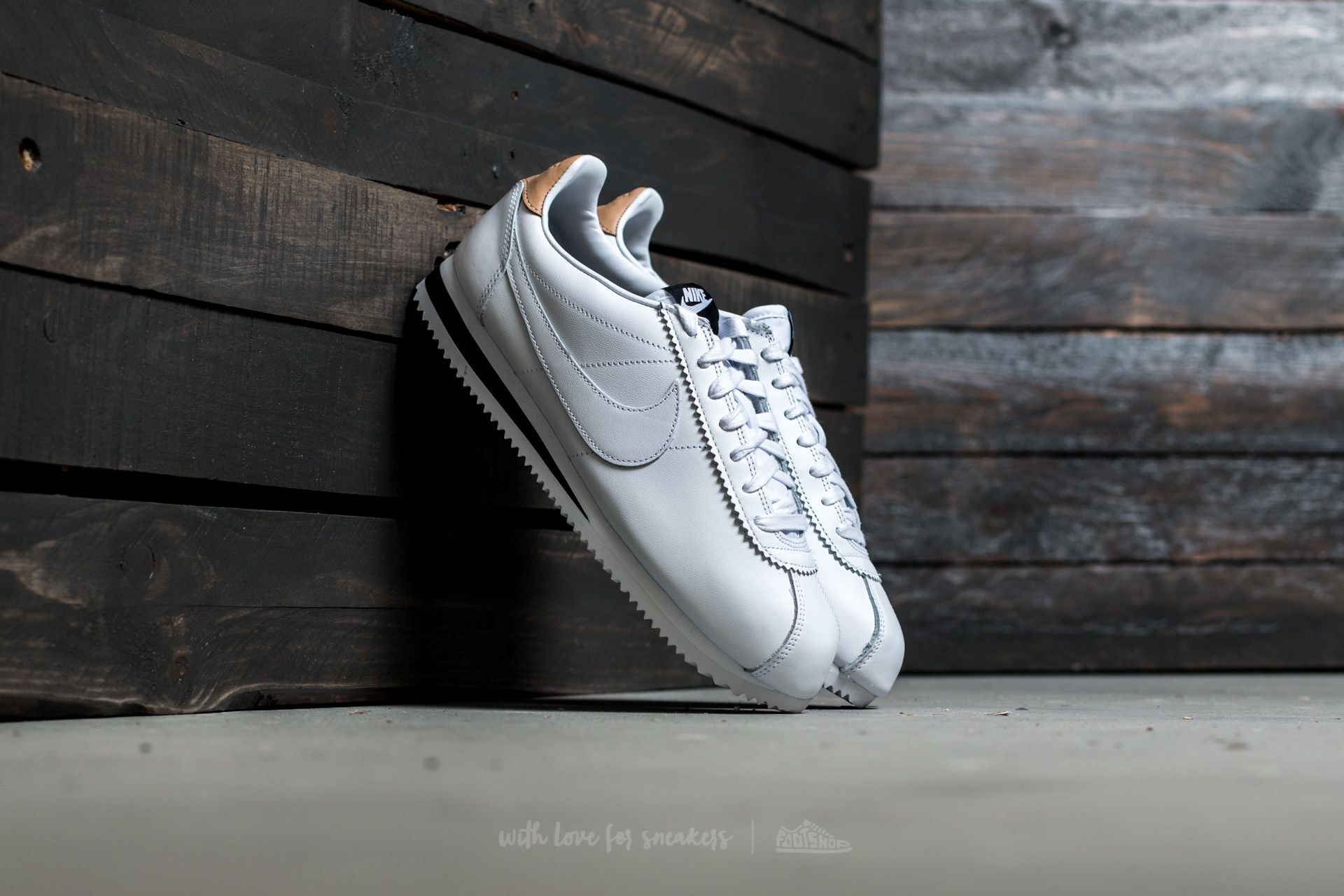 Nike Classic Cortez Leather SE White  White-Black-Vachetta Tan ... 545eda096