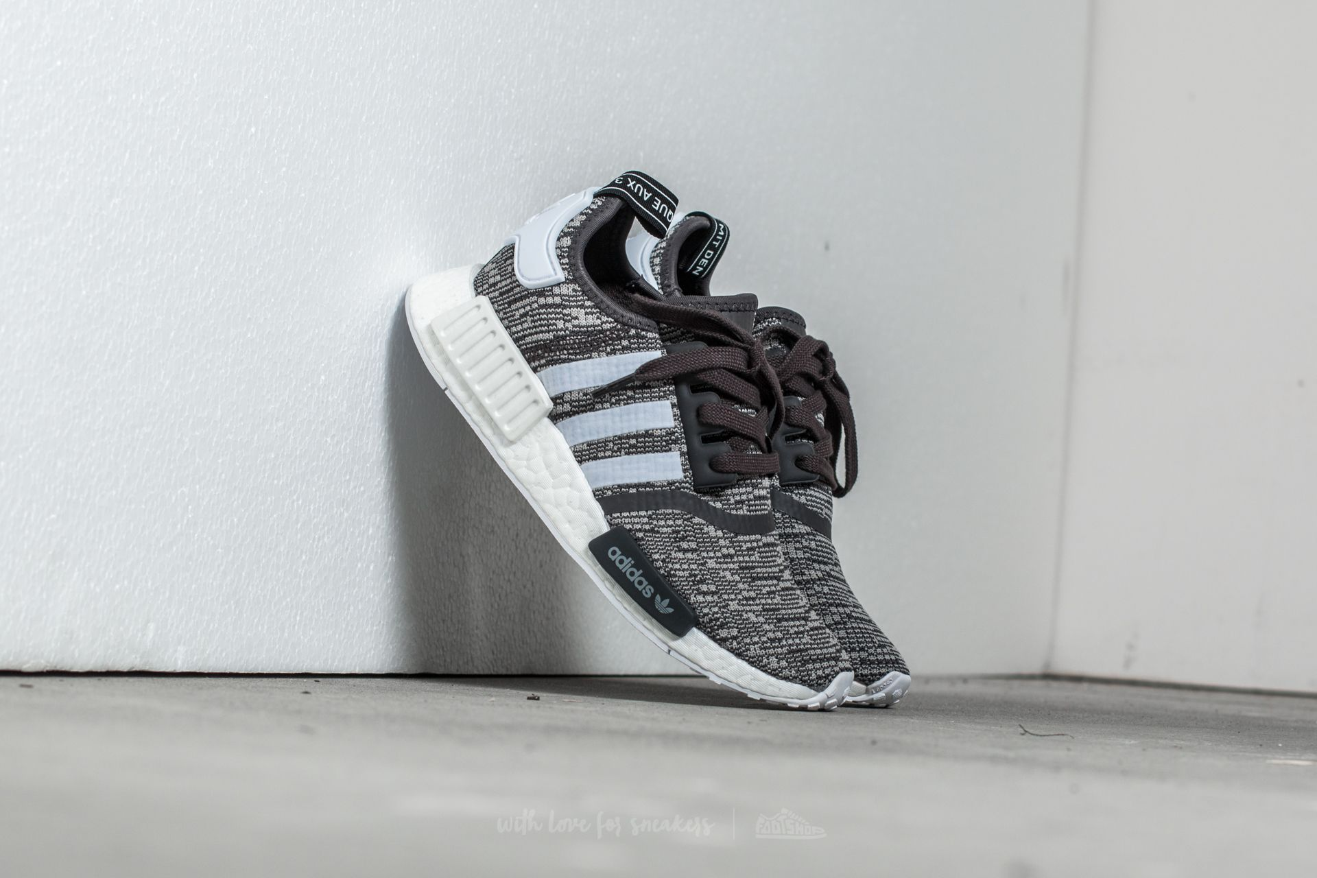 908192bc0b7 adidas NMD R1 W. Utility Black  Ftw White  Medium Grey Heather Solid Grey