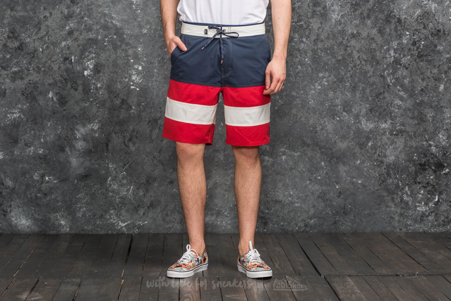 ffc37dbf1dc09 Vans Era Panel Board Short Dress Blues-Racing Red | Footshop
