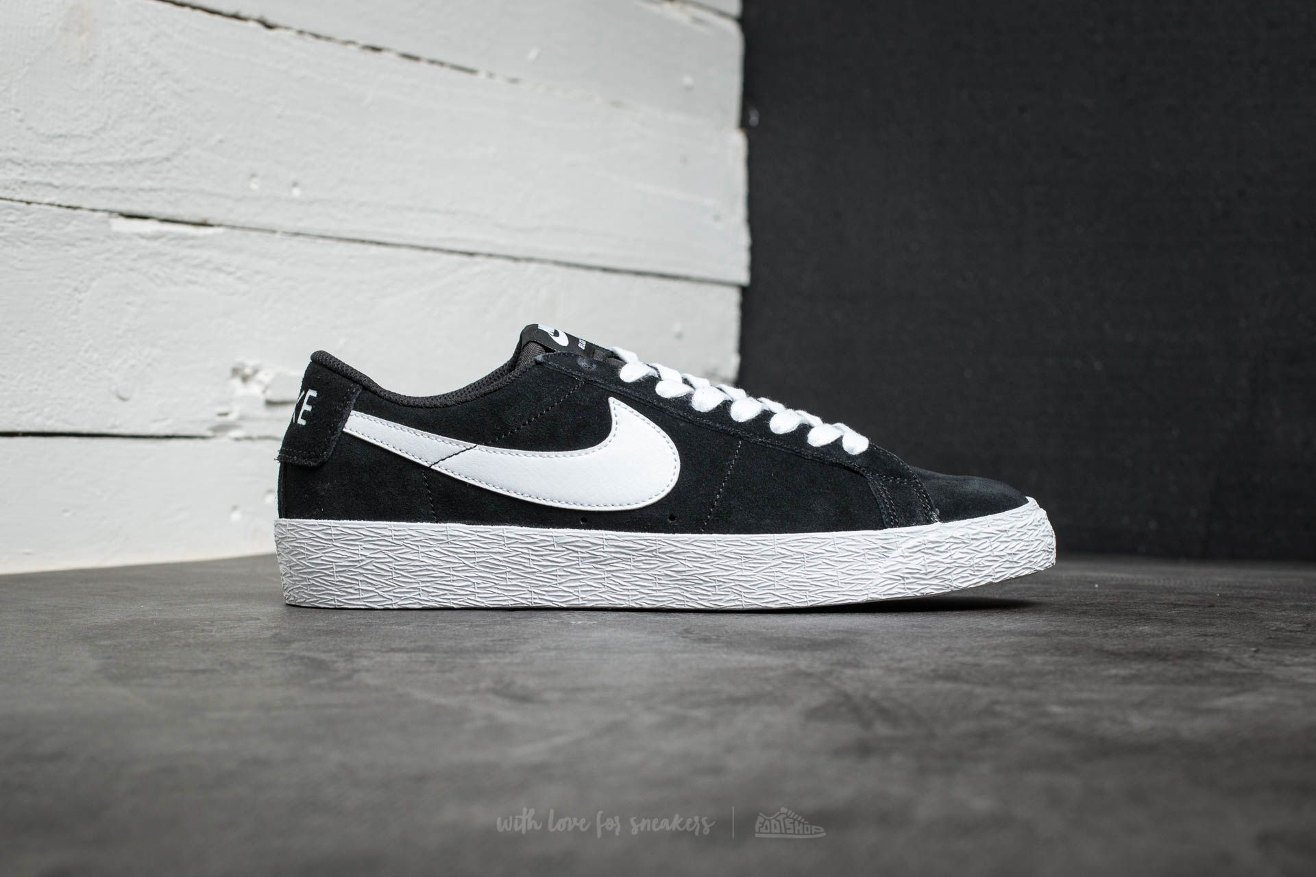 various colors e9ca4 04b52 Nike SB Blazer Zoom Low Black/ White-Gum Light Brown | Footshop