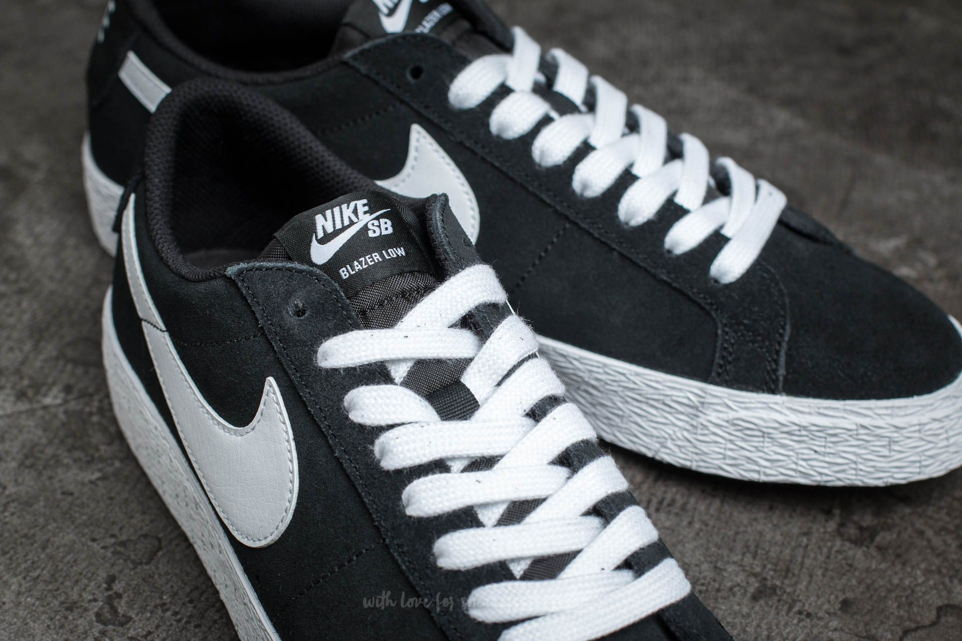 various colors 0e826 0ab2d Nike SB Blazer Zoom Low Black/ White-Gum Light Brown | Footshop