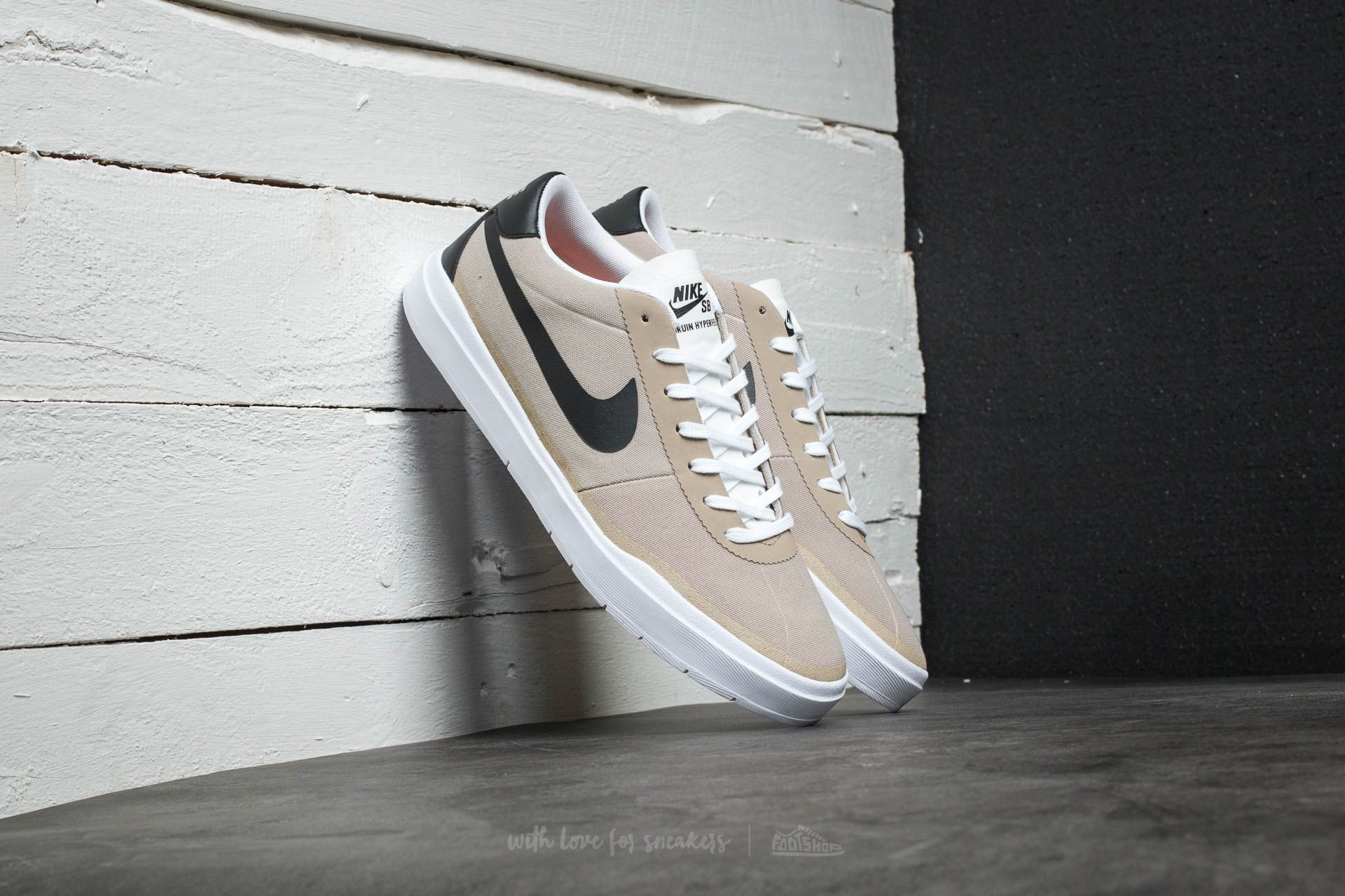 reputable site 1221f df77d Nike SB Bruin Hyperfeel Canvas