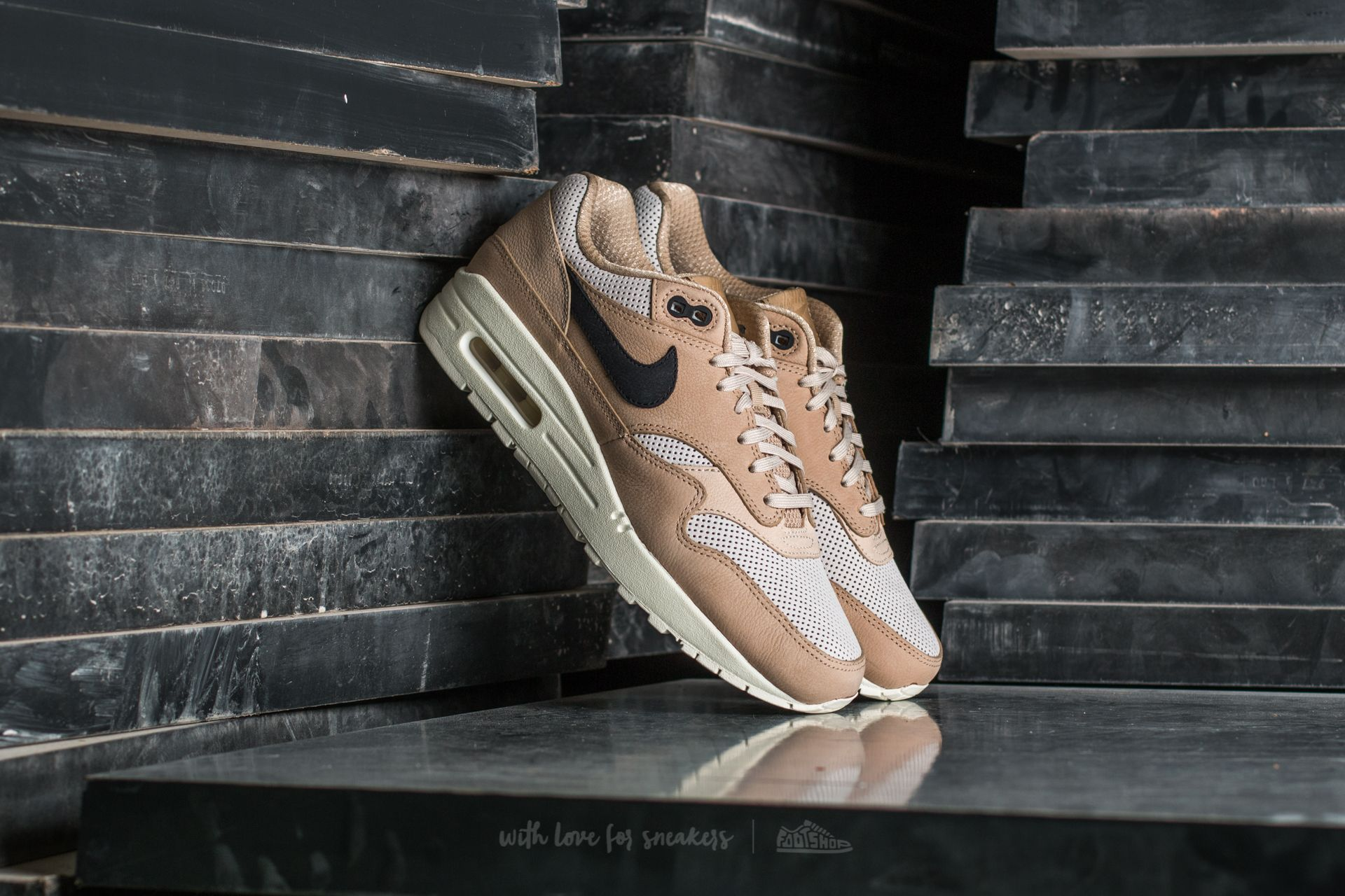 1609cd1c Nike Wmns Air Max 1 Pinnacle Mushroom/ Black-Light Bone | Footshop