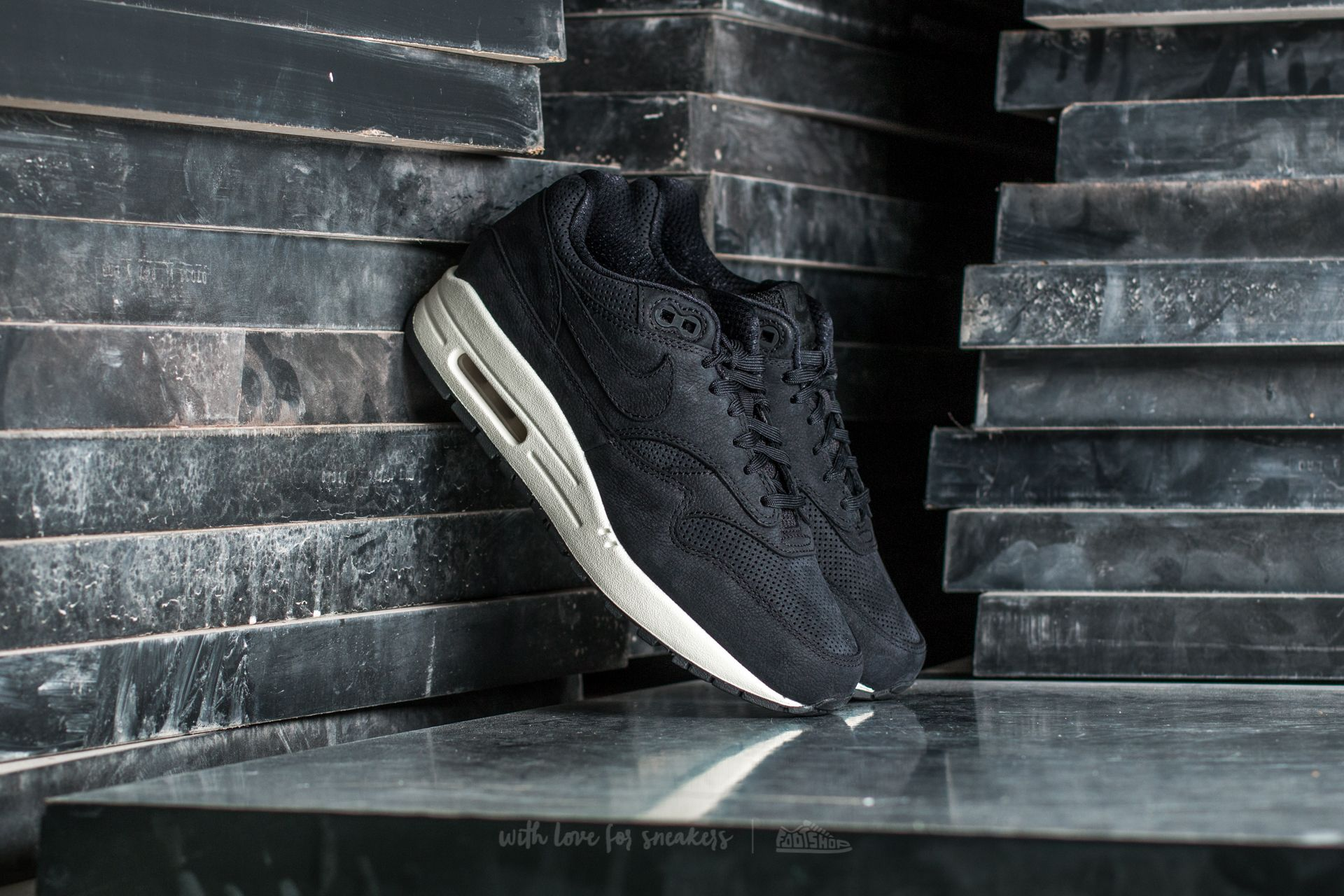 san francisco 9b1b0 f86f0 Nike Wmns Air Max 1 Pinnacle. Black  Black-Sail