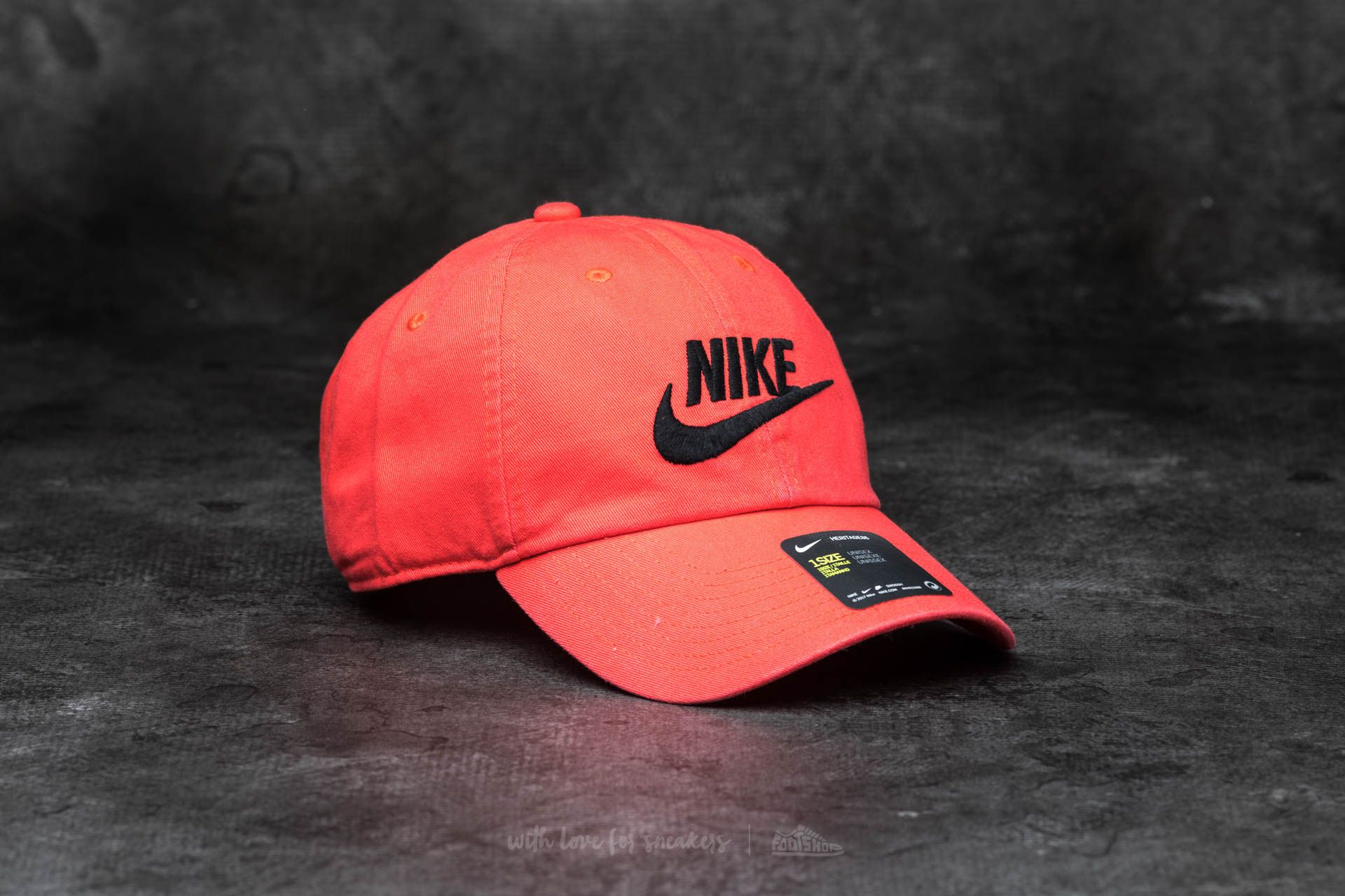 c0c13566b1e63 Nike Futura Washed H86 Cap Coral