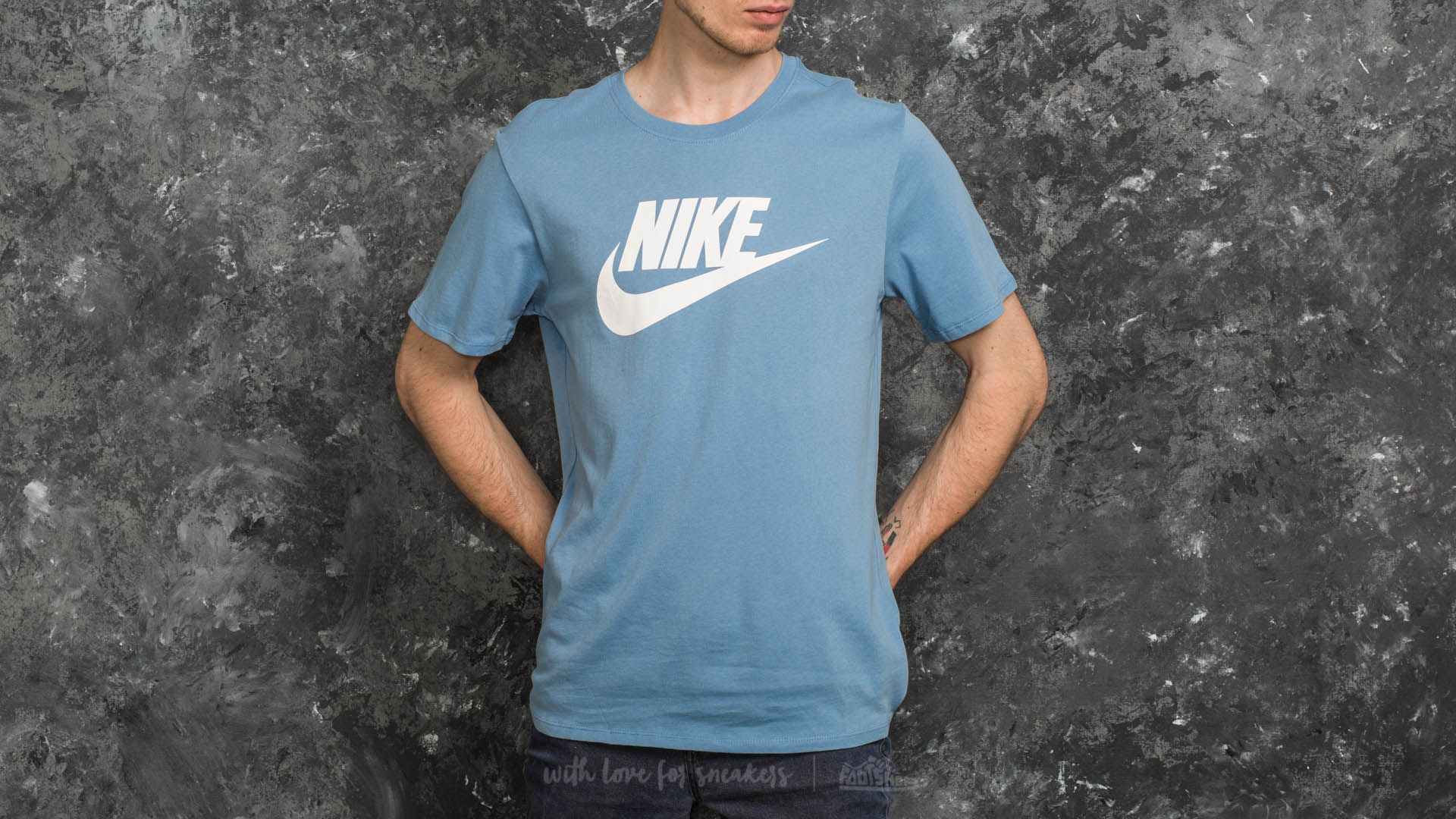 d3d44f5f1 Nike Sportswear Icon Futura Tee Light Blue | Footshop