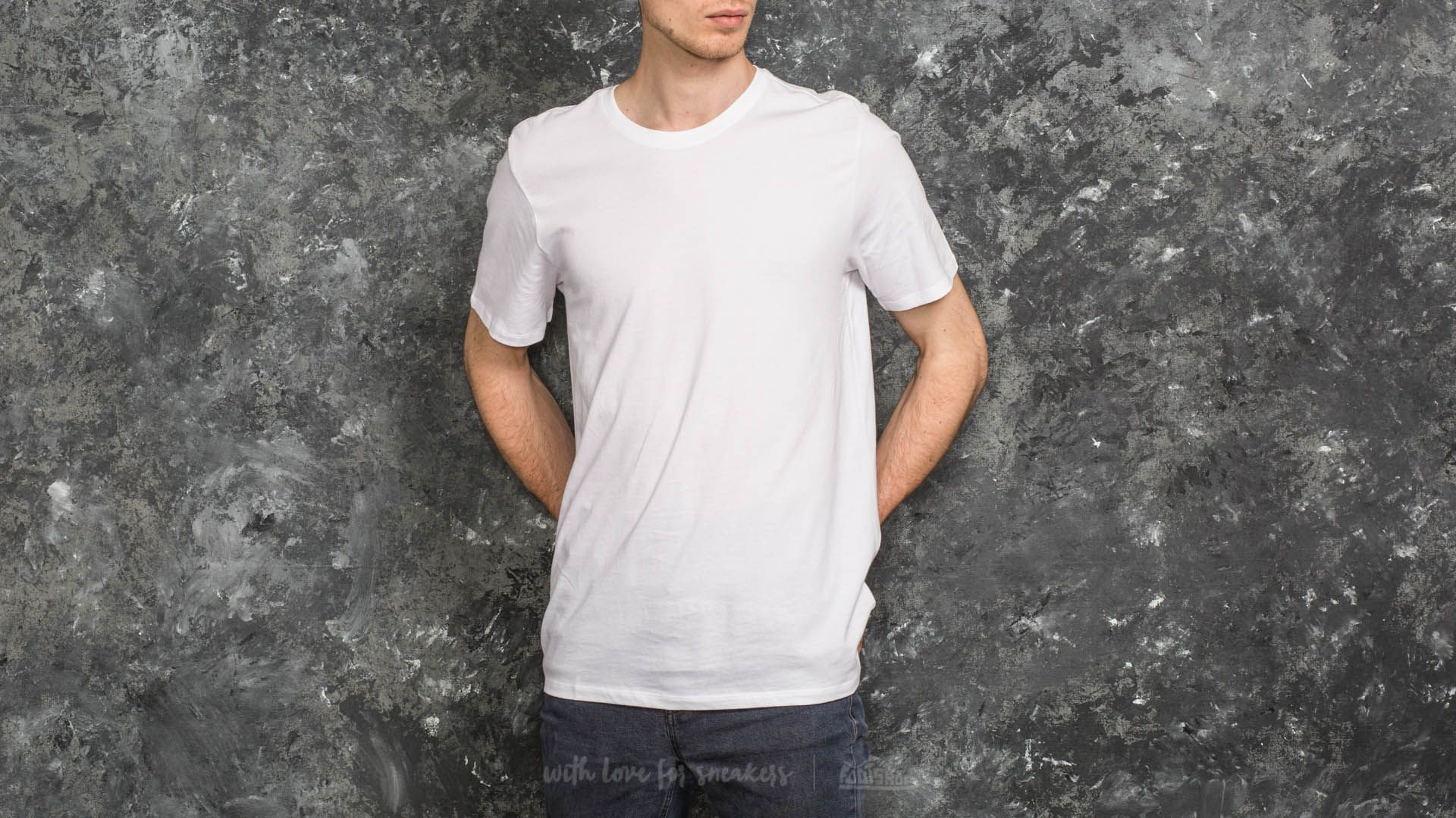 4b57675f Nike SB CTN Essential Tee White | Footshop