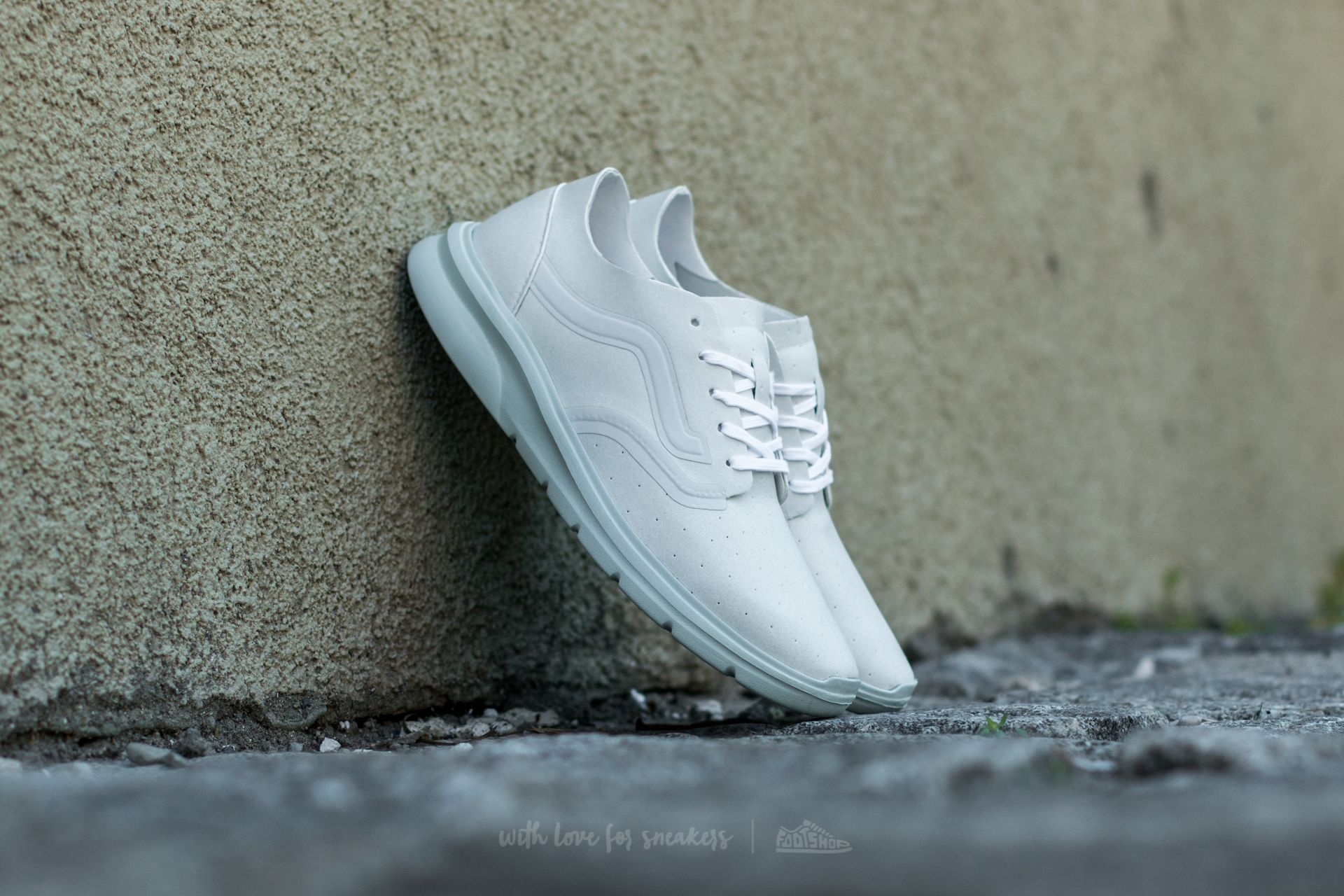 526282a711823a Vans Iso 2 Rapidweld (Perf) True White  Zephyr at a great price £