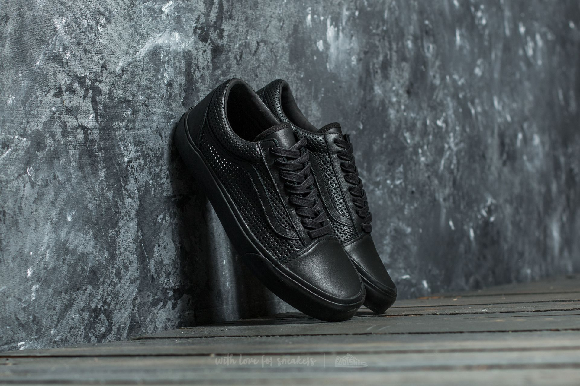 66bda8d31e6 Vans Old Skool DX (Square Perf) Black  Black