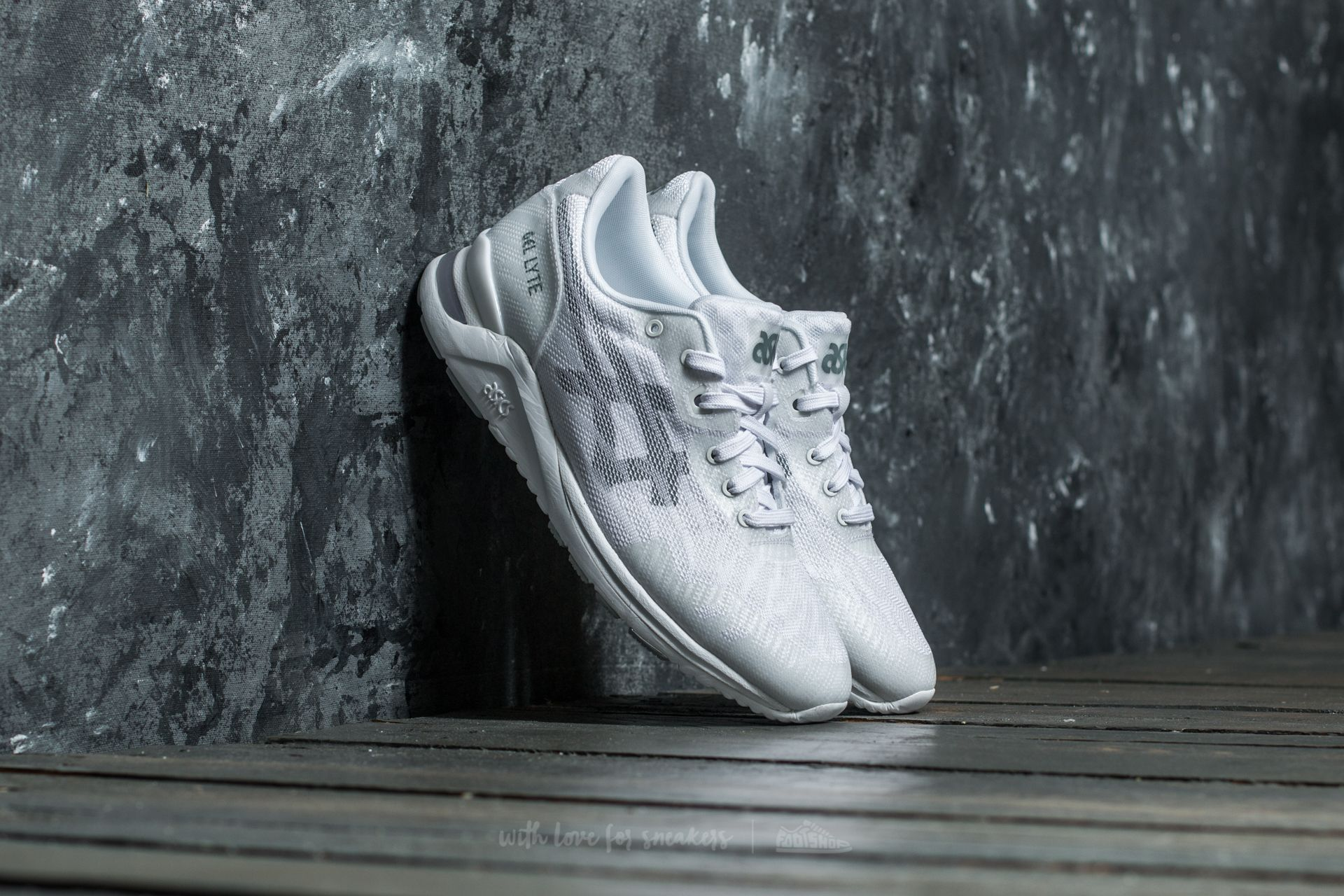 Asics Gel-Lyte Evo Nt White/ Mid Grey at a great price 70 € buy at Footshop