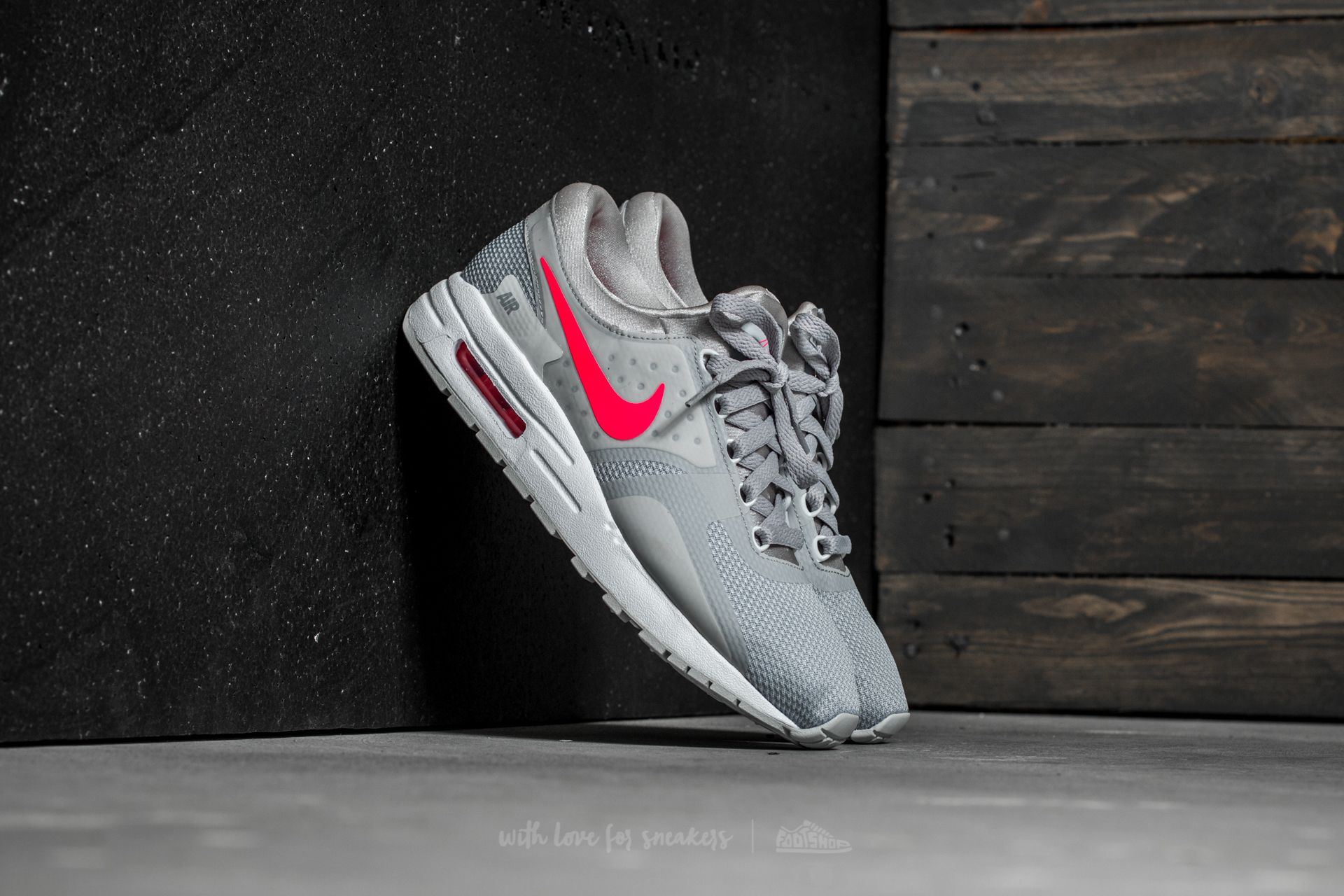 Nike Air Max Zero Essential GS Wolf Grey  Racer Pink-White  b7ecee1bc863