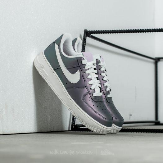 Découvrez la Nike Air Force 1 Low '07 LV8 'Iced Lilac', une