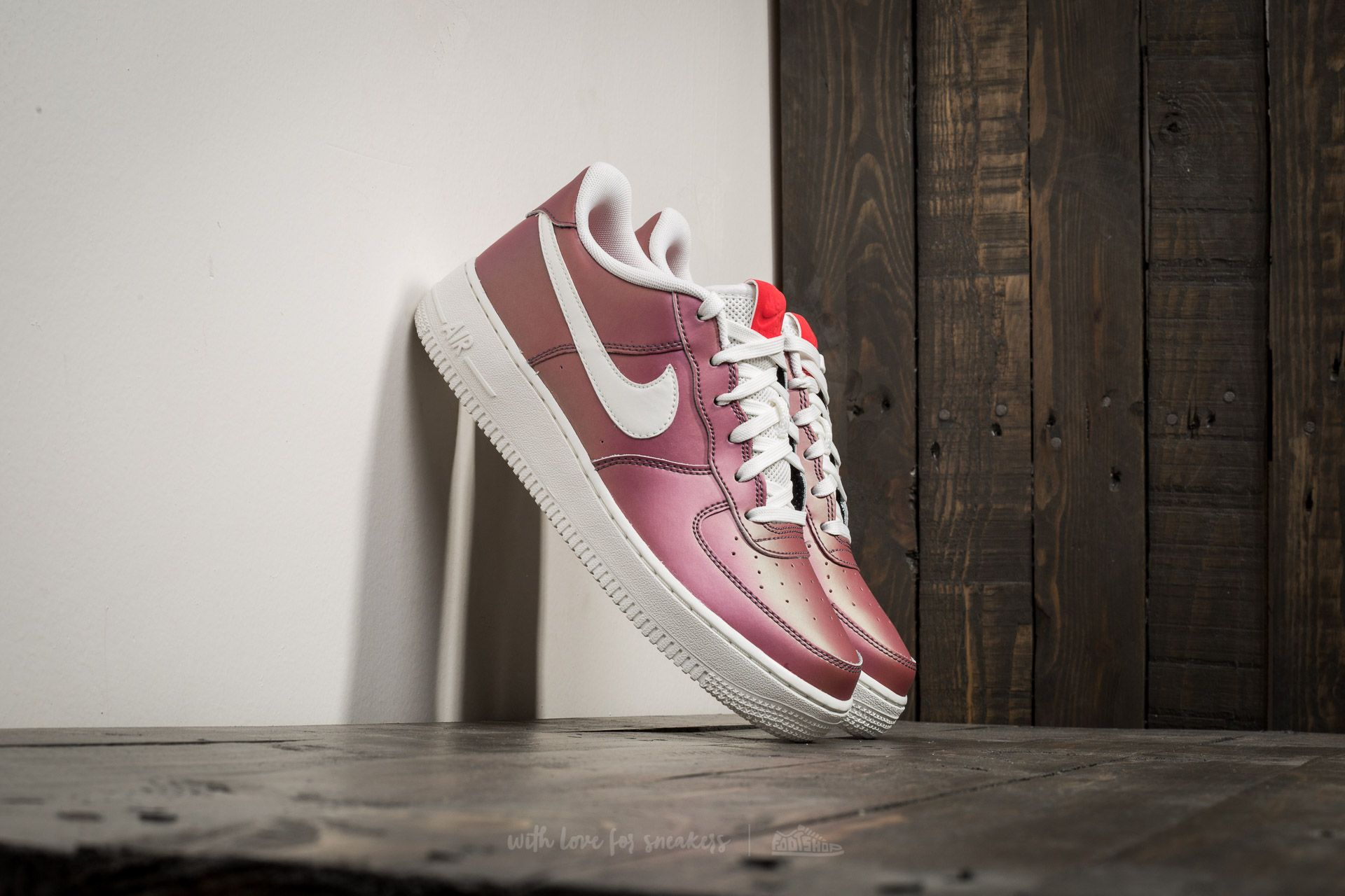 Nike Air Force 1 LV8 (GS) Track Red  Summit White-Black  759de33ca5