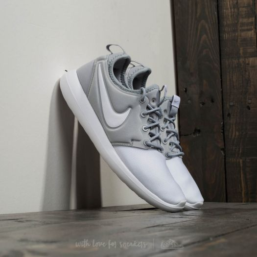 Intrusión Constitución arco  Women's shoes Nike Roshe Two (GS) White/ White-Metallic Silver | Footshop