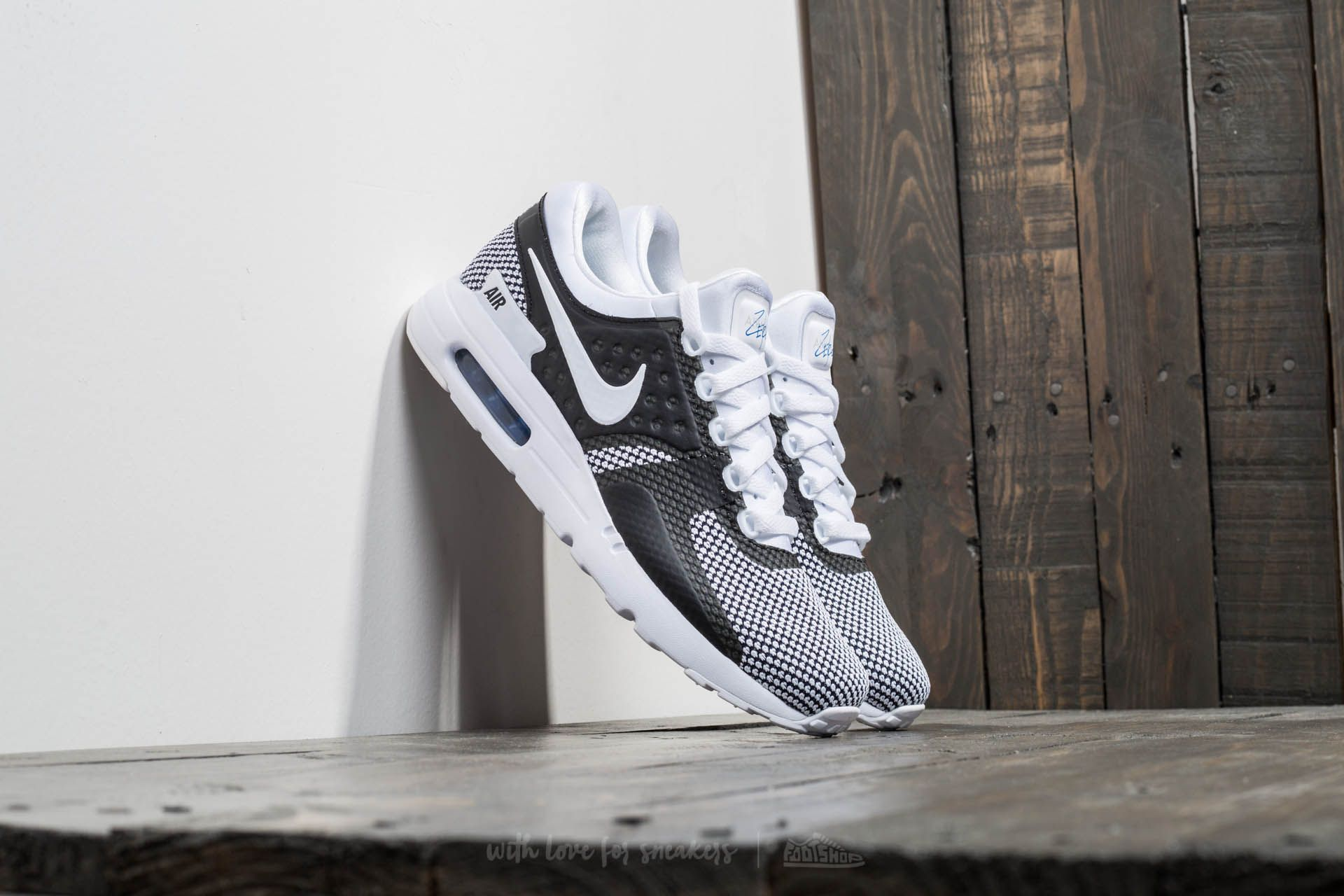 save off 406a4 4f731 Nike Air Max Zero Essential