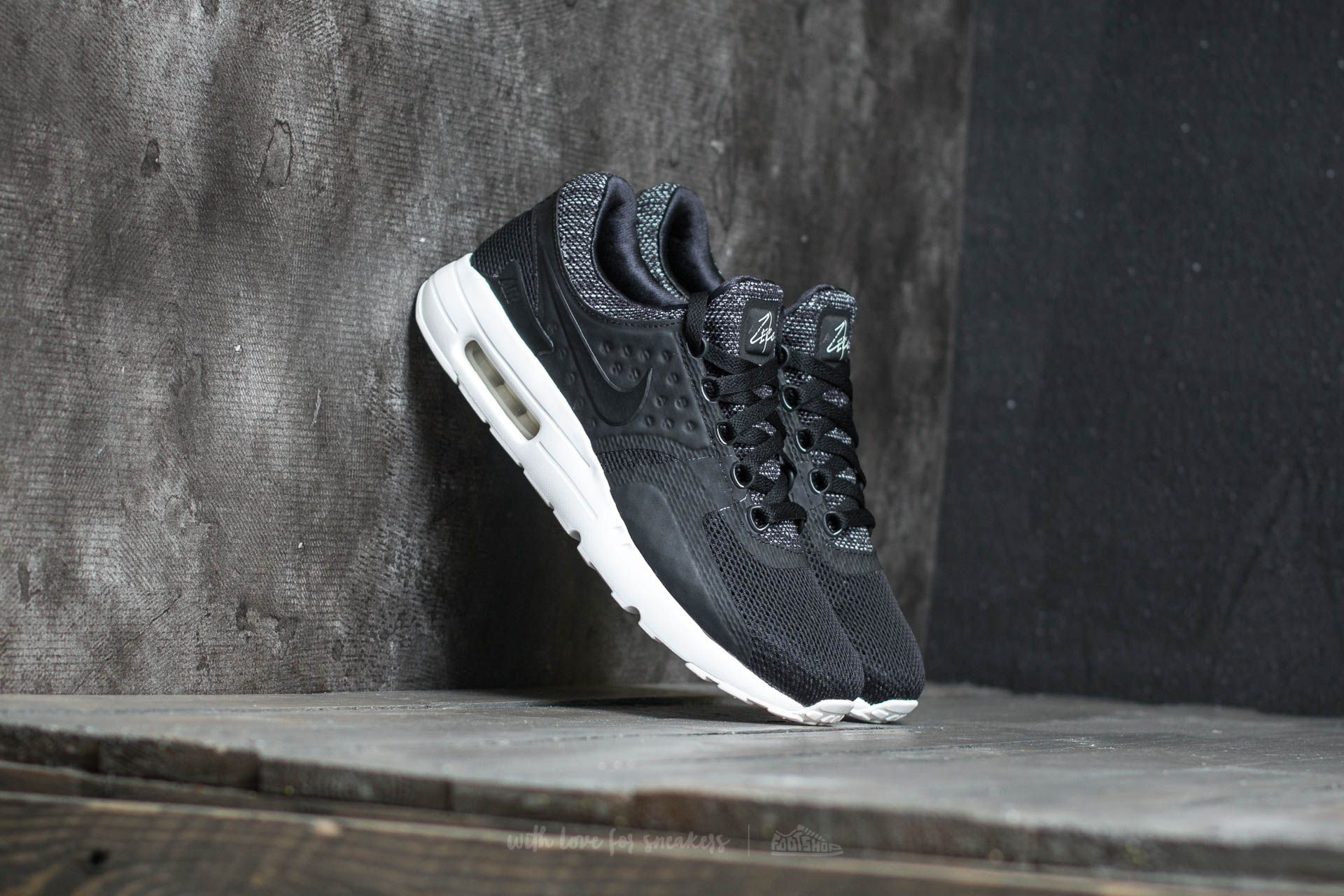 premium selection 7e977 8e9aa Nike Air Max Zero BR