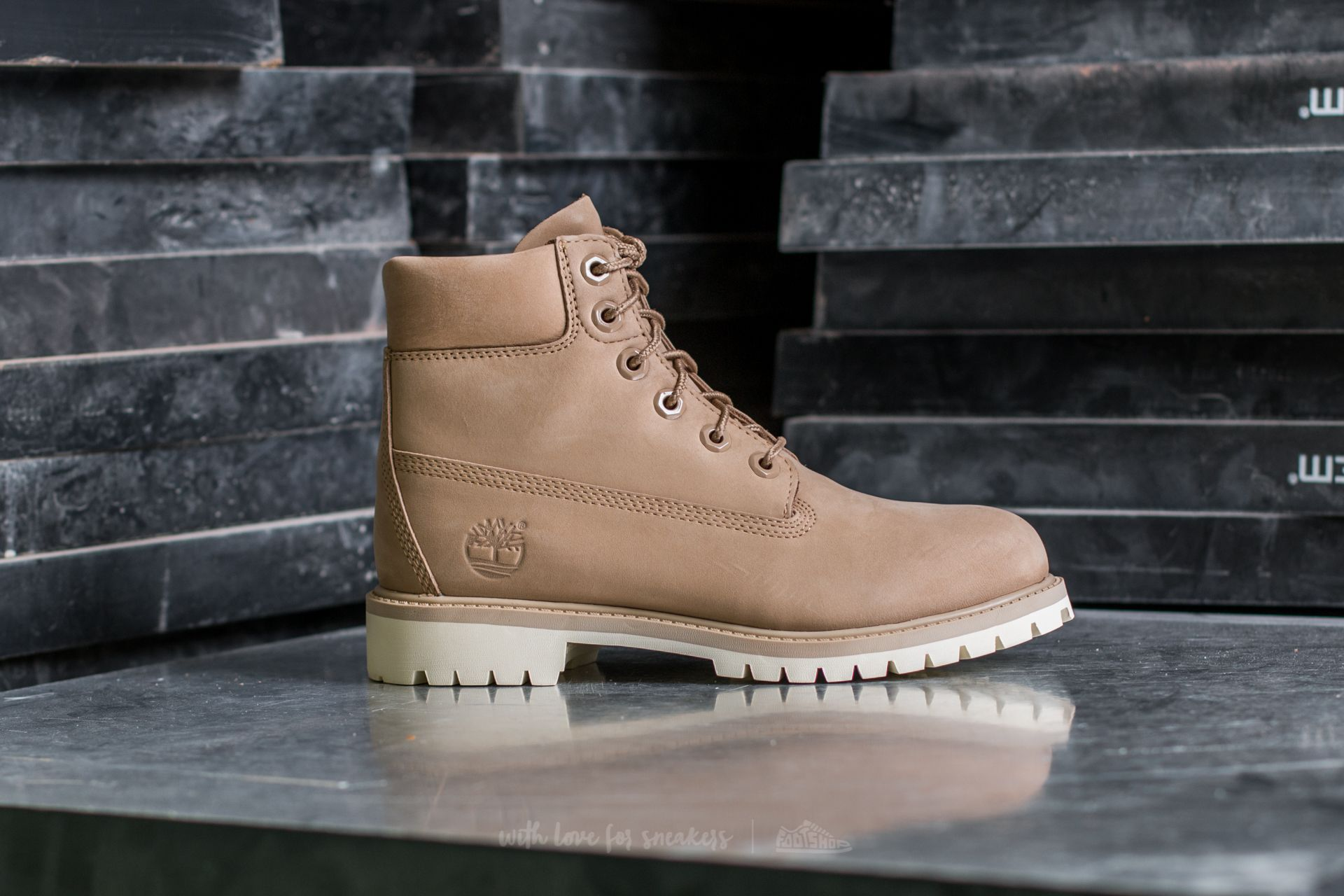 Timberland 6 In Premium Wp Boot Croissant   Footshop