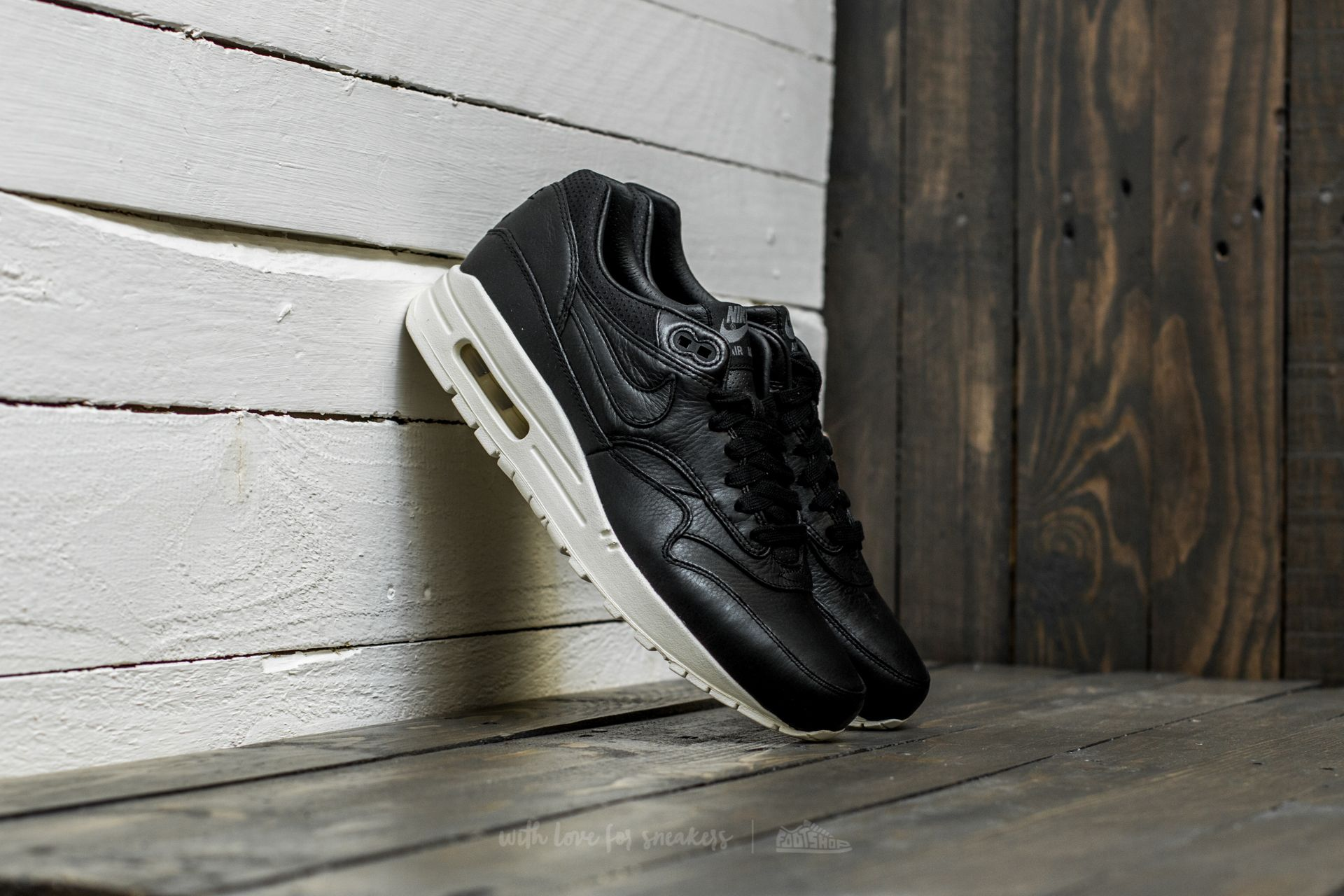 san francisco 975f4 fda41 Nike Wmns Air Max 1 Pinnacle. Black  Black-Sail