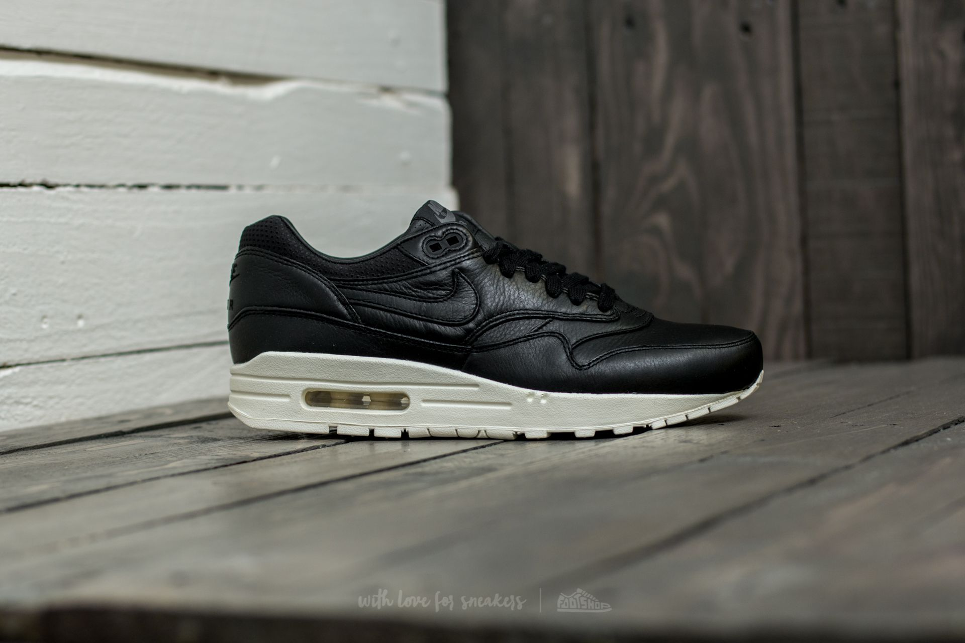 Nike Air Max 1 Pinnacle Black White | 859554 004